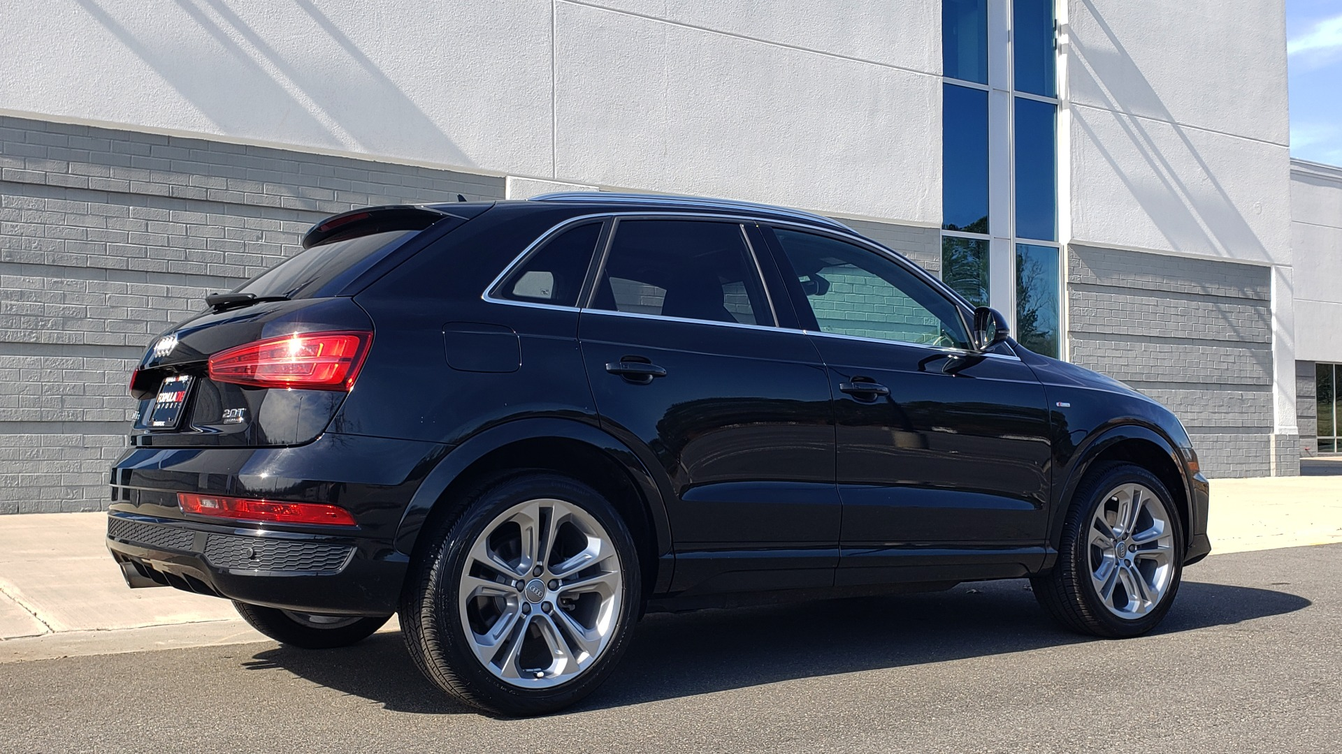 Used 2018 Audi Q3 SPORT PREMIUM PLUS / TECHNOLOGY / SUNROOF / BOSE / REARVIEW for sale Sold at Formula Imports in Charlotte NC 28227 6