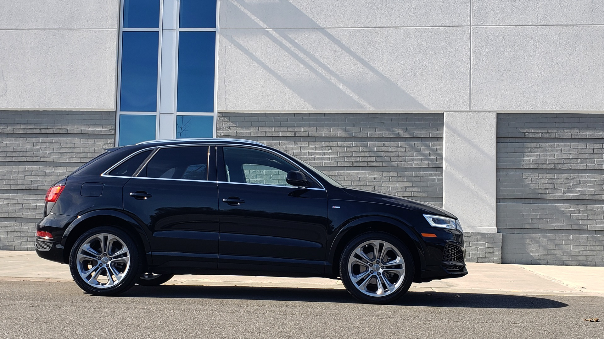 Used 2018 Audi Q3 SPORT PREMIUM PLUS / TECHNOLOGY / SUNROOF / BOSE / REARVIEW for sale Sold at Formula Imports in Charlotte NC 28227 7