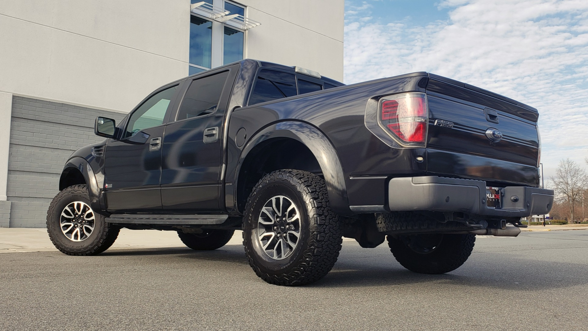 Used 2013 Ford F-150 SVT RAPTOR 4X4 SUPERCREW / 6.2L V8 / 6-SPD AUTO / NAV / LUX PKG for sale Sold at Formula Imports in Charlotte NC 28227 2
