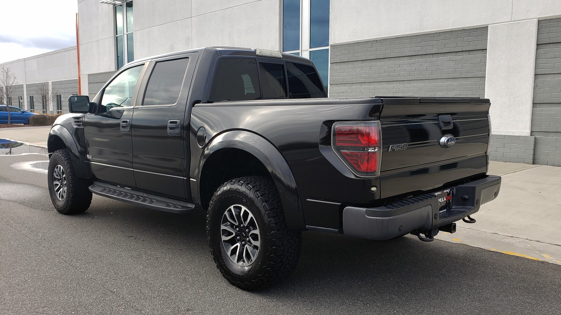 Used 2013 Ford F-150 SVT RAPTOR 4X4 SUPERCREW / 6.2L V8 / 6-SPD AUTO / NAV / LUX PKG for sale Sold at Formula Imports in Charlotte NC 28227 5