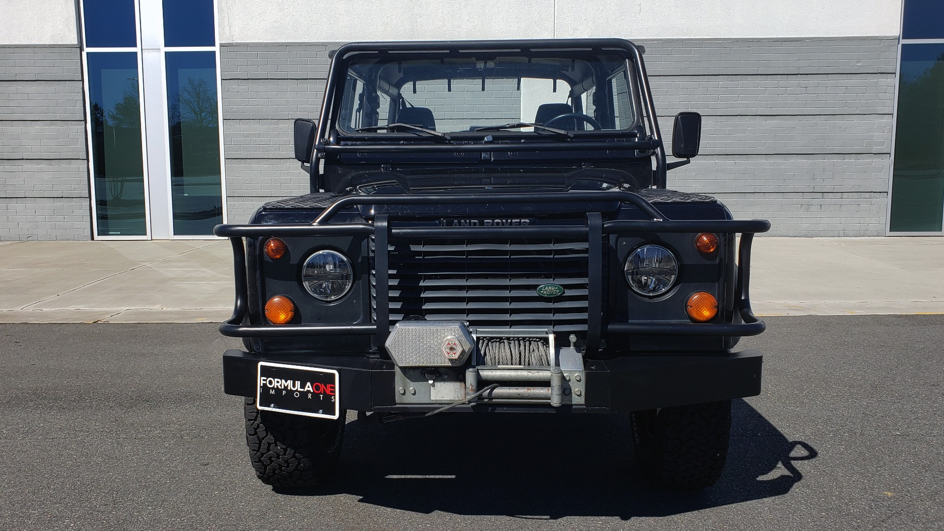 Used 1995 Land Rover DEFENDER 90 4x4 / 3.9L V8 / SOFT-TOP / 5-SPD MANUAL / RUNS GREAT for sale $74,383 at Formula Imports in Charlotte NC 28227 19