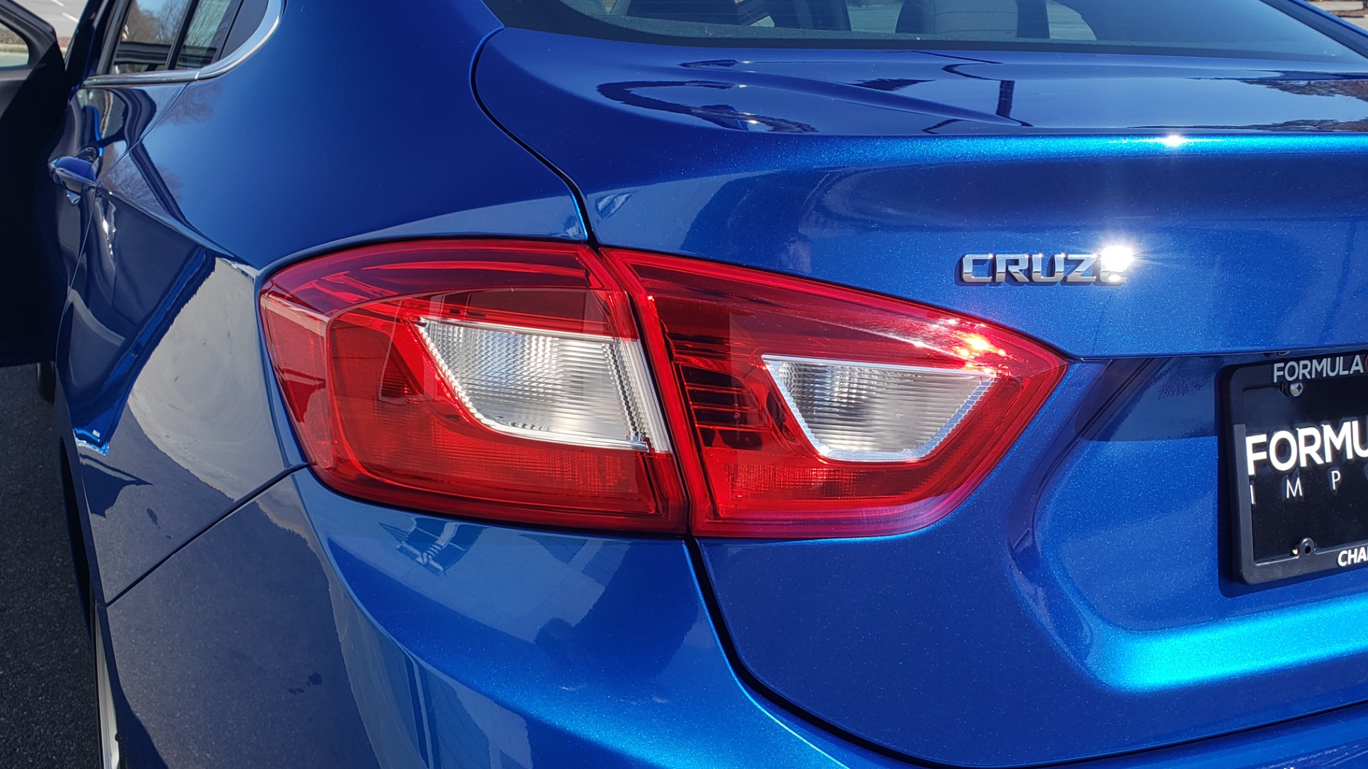 Used 2017 Chevrolet CRUZE LT 1.4L 1SD / 6-SPD AUTO / HTS STS / REMOTE START / REARVIEW for sale $11,495 at Formula Imports in Charlotte NC 28227 17