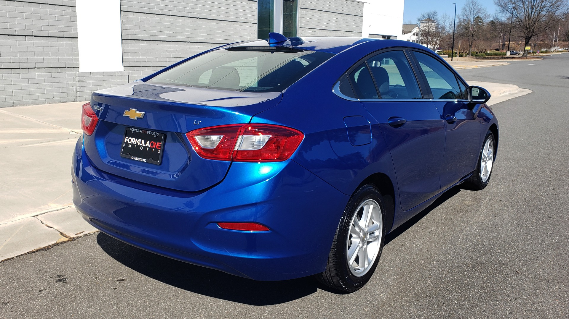 Used 2017 Chevrolet CRUZE LT 1.4L 1SD / 6-SPD AUTO / HTS STS / REMOTE START / REARVIEW for sale $11,495 at Formula Imports in Charlotte NC 28227 6