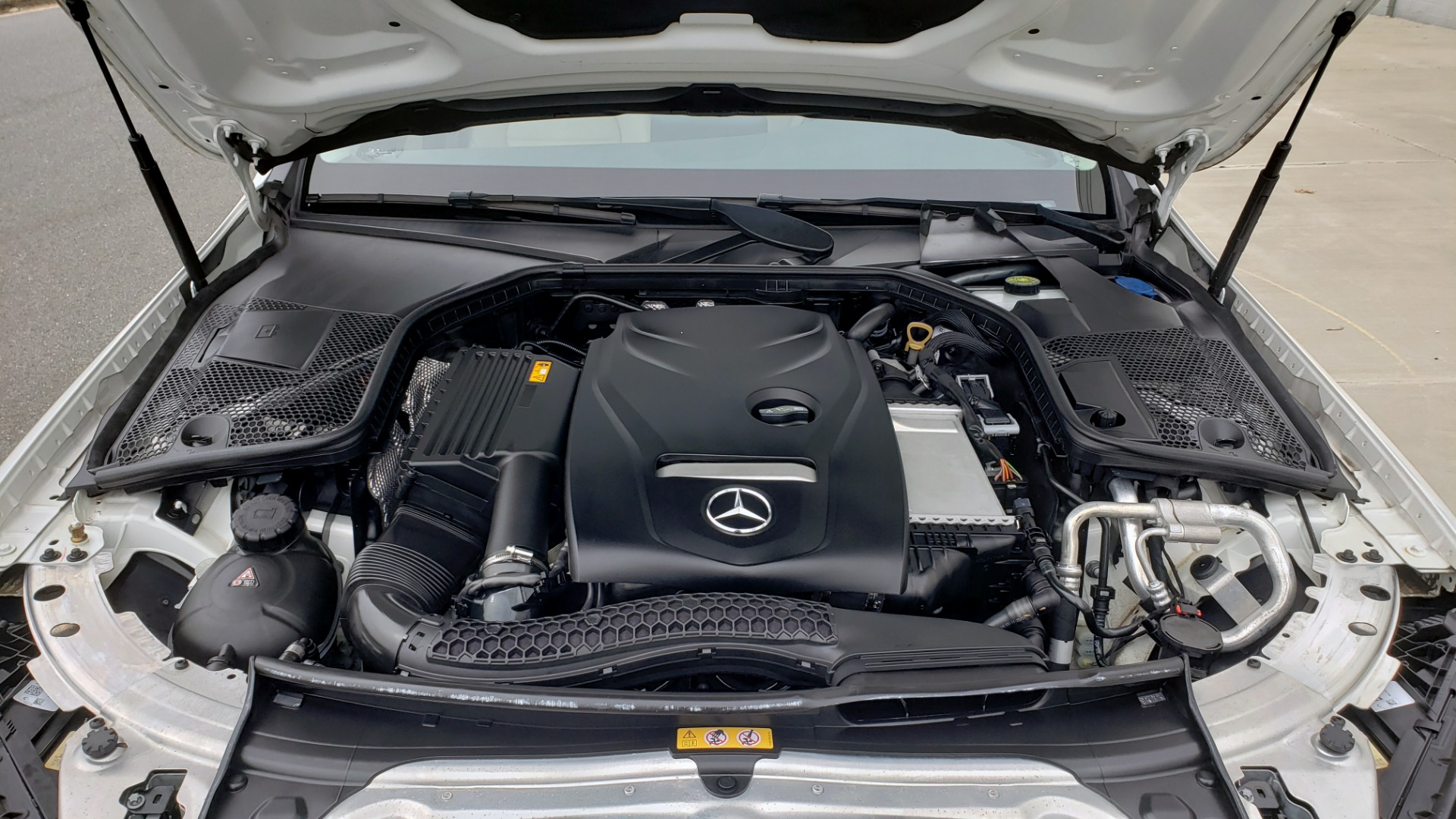 Used 2018 Mercedes-Benz C-CLASS C 300 PREMIUM / NAV / HTD STS / APPLY CARPLAY / REARVIEW for sale $26,695 at Formula Imports in Charlotte NC 28227 11