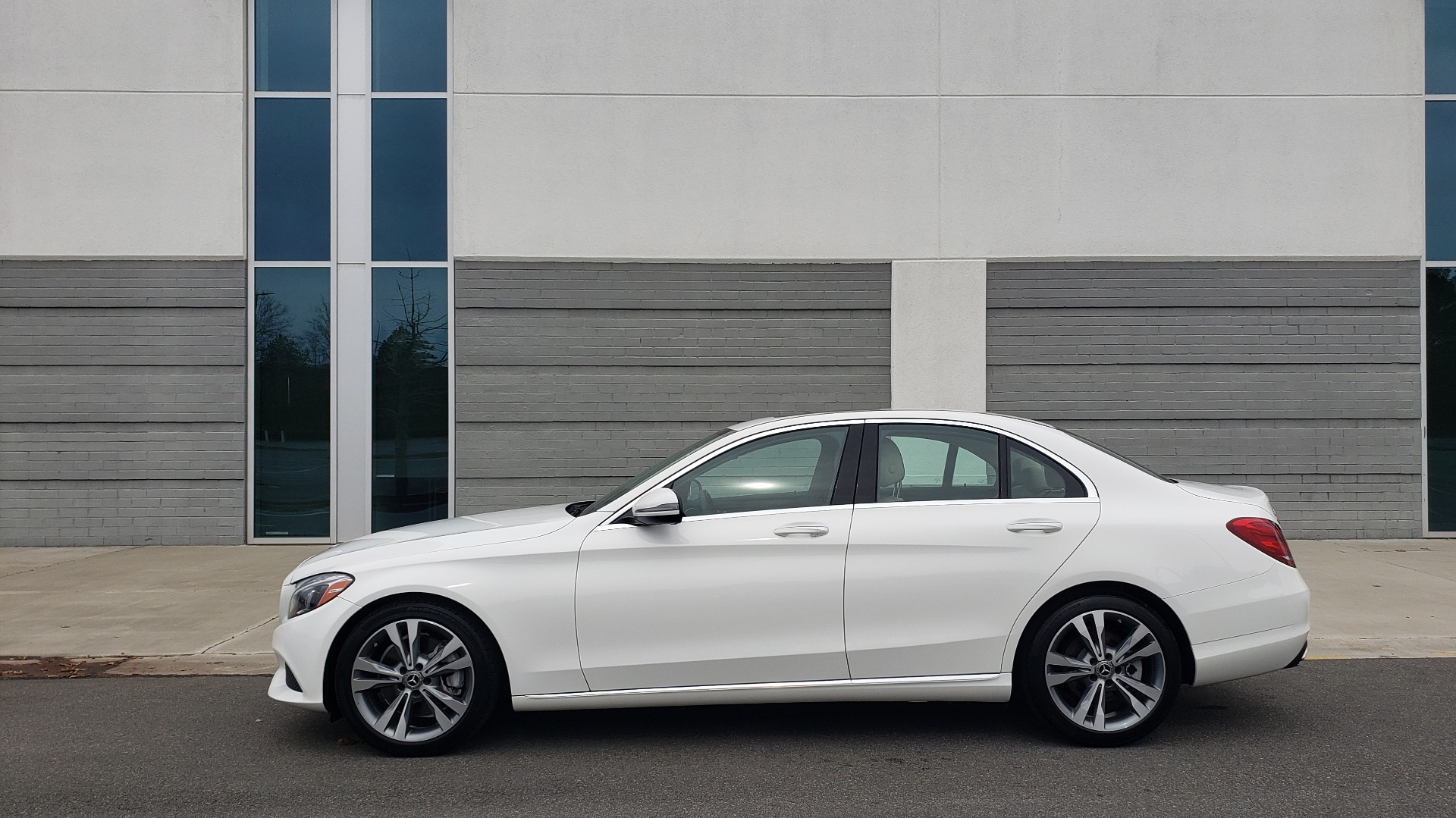 Used 2018 Mercedes-Benz C-CLASS C 300 PREMIUM / NAV / HTD STS / APPLY CARPLAY / REARVIEW for sale $26,695 at Formula Imports in Charlotte NC 28227 2