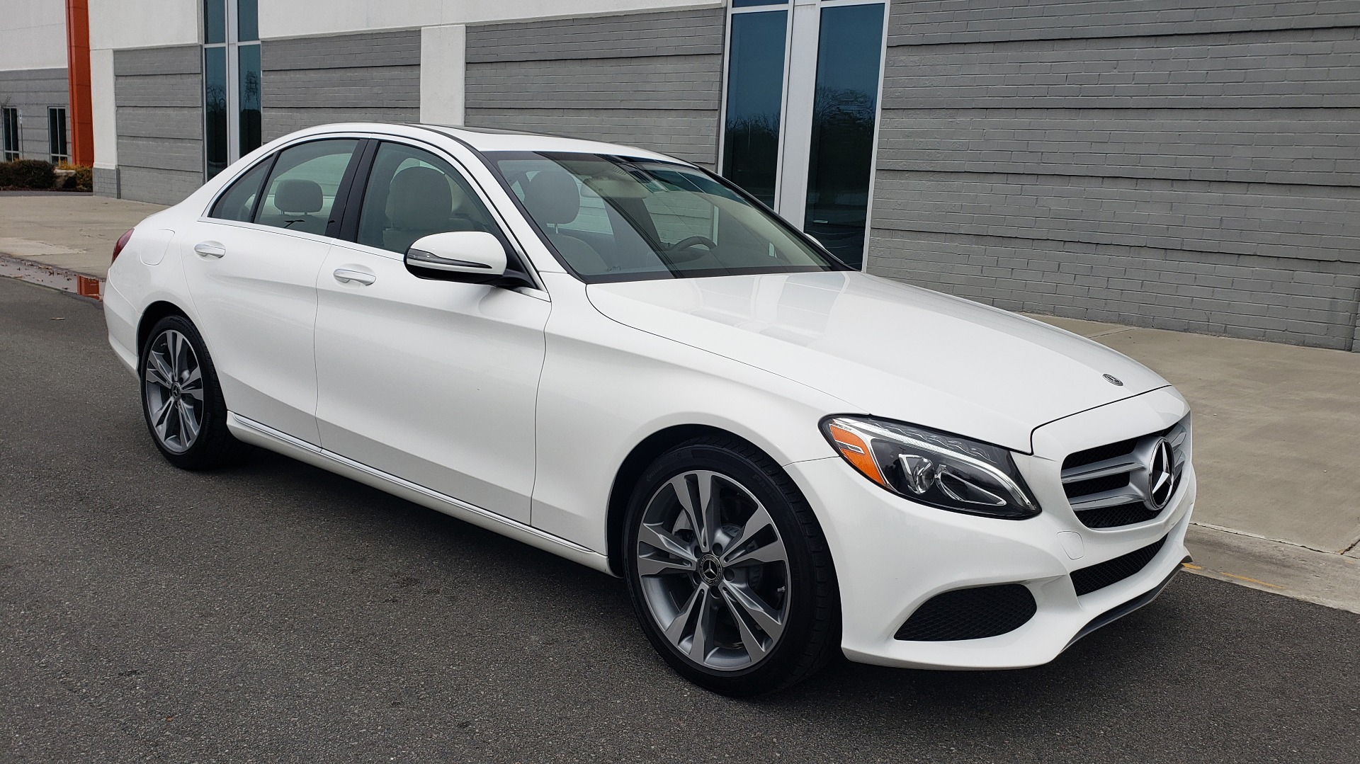 Used 2018 Mercedes-Benz C-CLASS C 300 PREMIUM / NAV / HTD STS / APPLE CARPLAY / REARVIEW for sale Sold at Formula Imports in Charlotte NC 28227 4