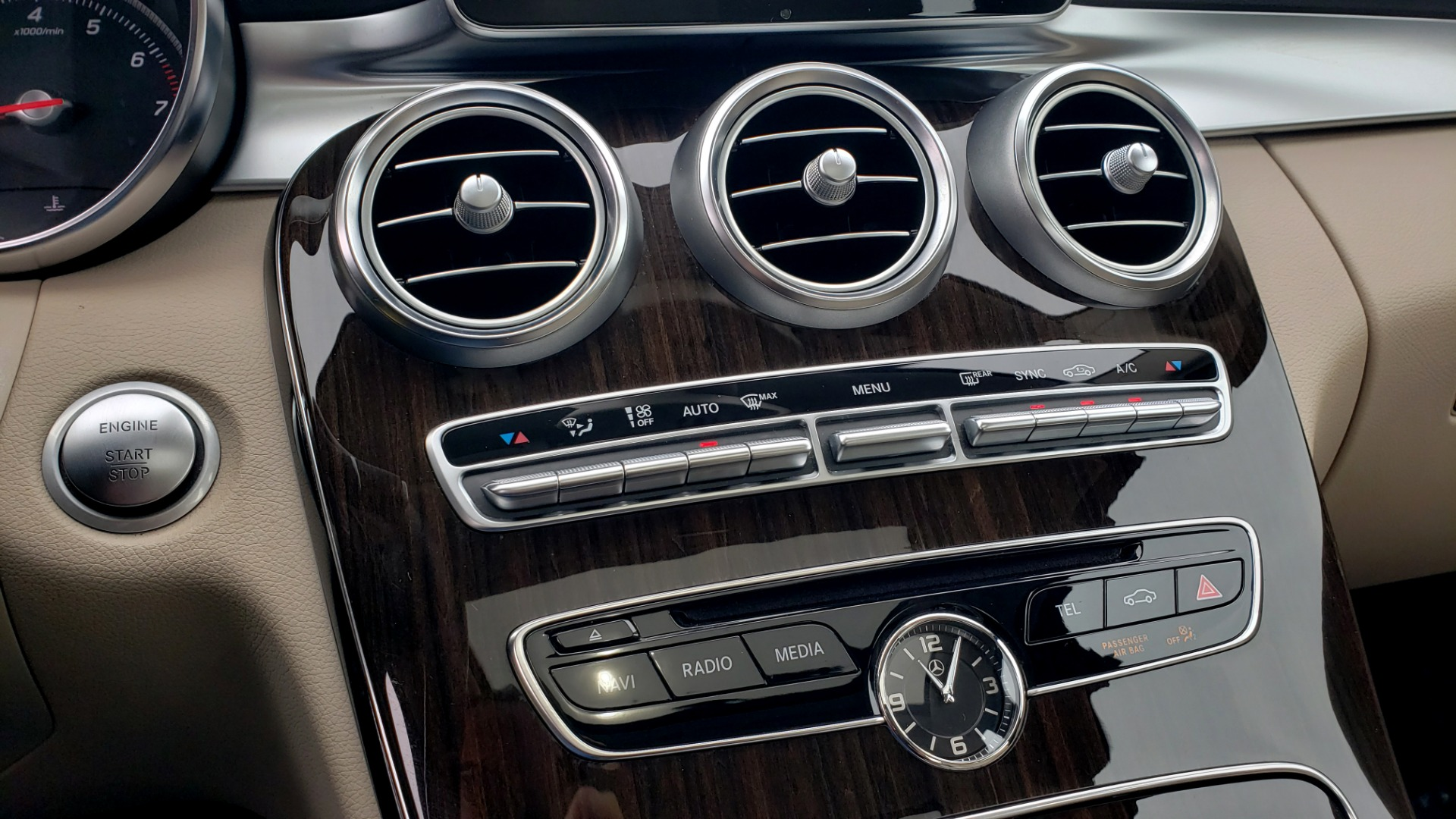 Used 2018 Mercedes-Benz C-CLASS C 300 PREMIUM / NAV / HTD STS / APPLY CARPLAY / REARVIEW for sale $26,695 at Formula Imports in Charlotte NC 28227 47