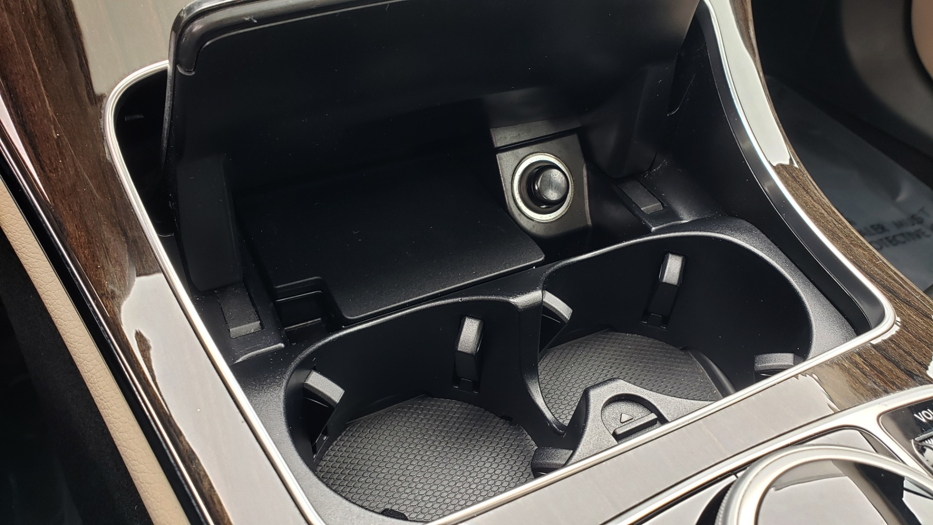 Used 2018 Mercedes-Benz C-CLASS C 300 PREMIUM / NAV / HTD STS / APPLY CARPLAY / REARVIEW for sale $26,695 at Formula Imports in Charlotte NC 28227 49