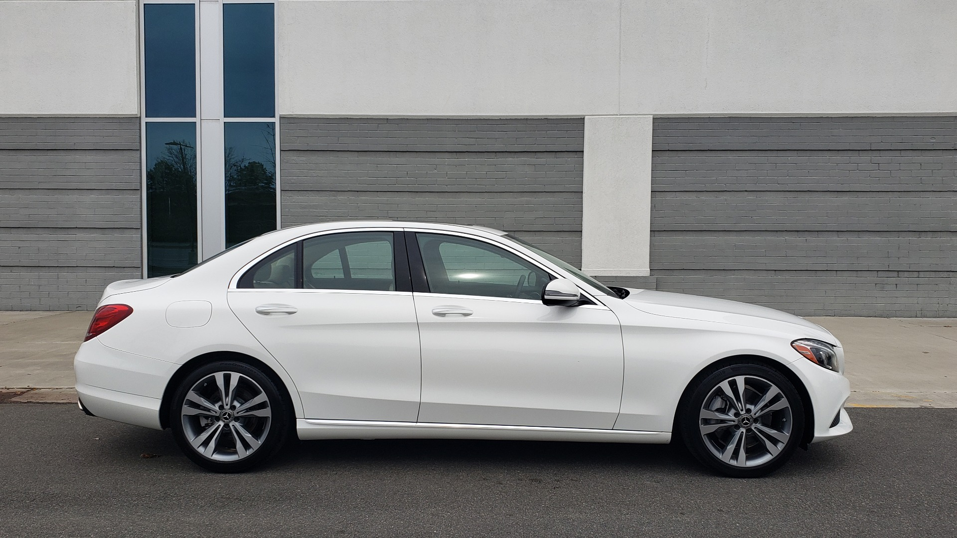 Used 2018 Mercedes-Benz C-CLASS C 300 PREMIUM / NAV / HTD STS / APPLE CARPLAY / REARVIEW for sale Sold at Formula Imports in Charlotte NC 28227 6
