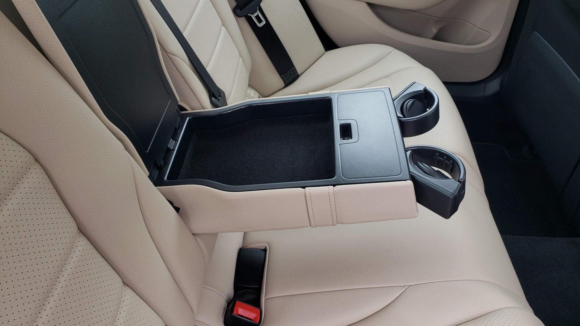 Used 2018 Mercedes-Benz C-CLASS C 300 PREMIUM / NAV / HTD STS / APPLY CARPLAY / REARVIEW for sale $26,695 at Formula Imports in Charlotte NC 28227 75