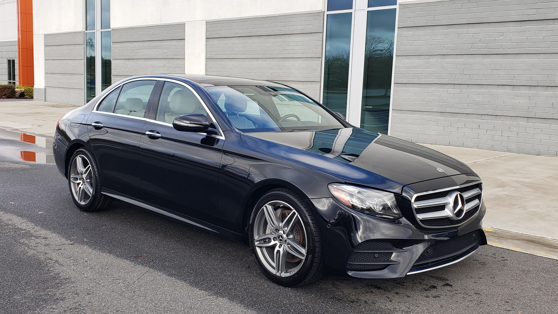 Used 2018 Mercedes-Benz E-CLASS E 300 PREM PKG 2 / NAV / PANO-ROOF / WARMTH & COMFORT PKG for sale $35,295 at Formula Imports in Charlotte NC 28227 2