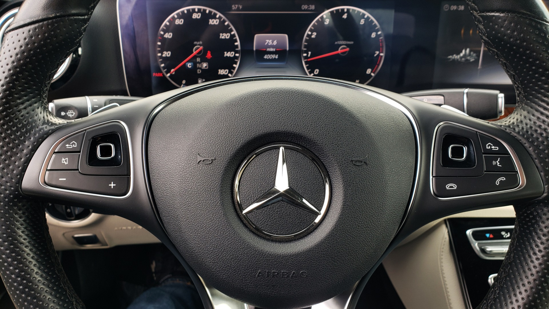 Used 2018 Mercedes-Benz E-CLASS E 300 PREM PKG 2 / NAV / PANO-ROOF / WARMTH & COMFORT PKG for sale $35,295 at Formula Imports in Charlotte NC 28227 39