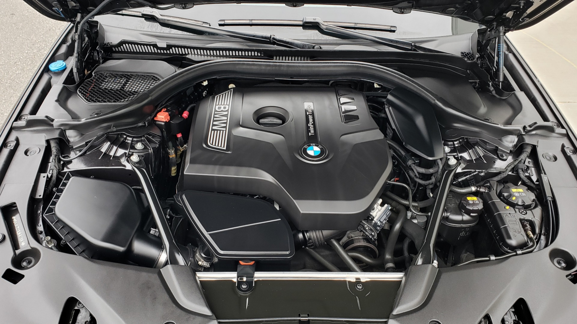 Used 2017 BMW 5 SERIES 530IXDRIVE / PREM PKG / DRVR ASST PLUS / CLD WTHR / APPLE CARPLAY for sale Sold at Formula Imports in Charlotte NC 28227 10