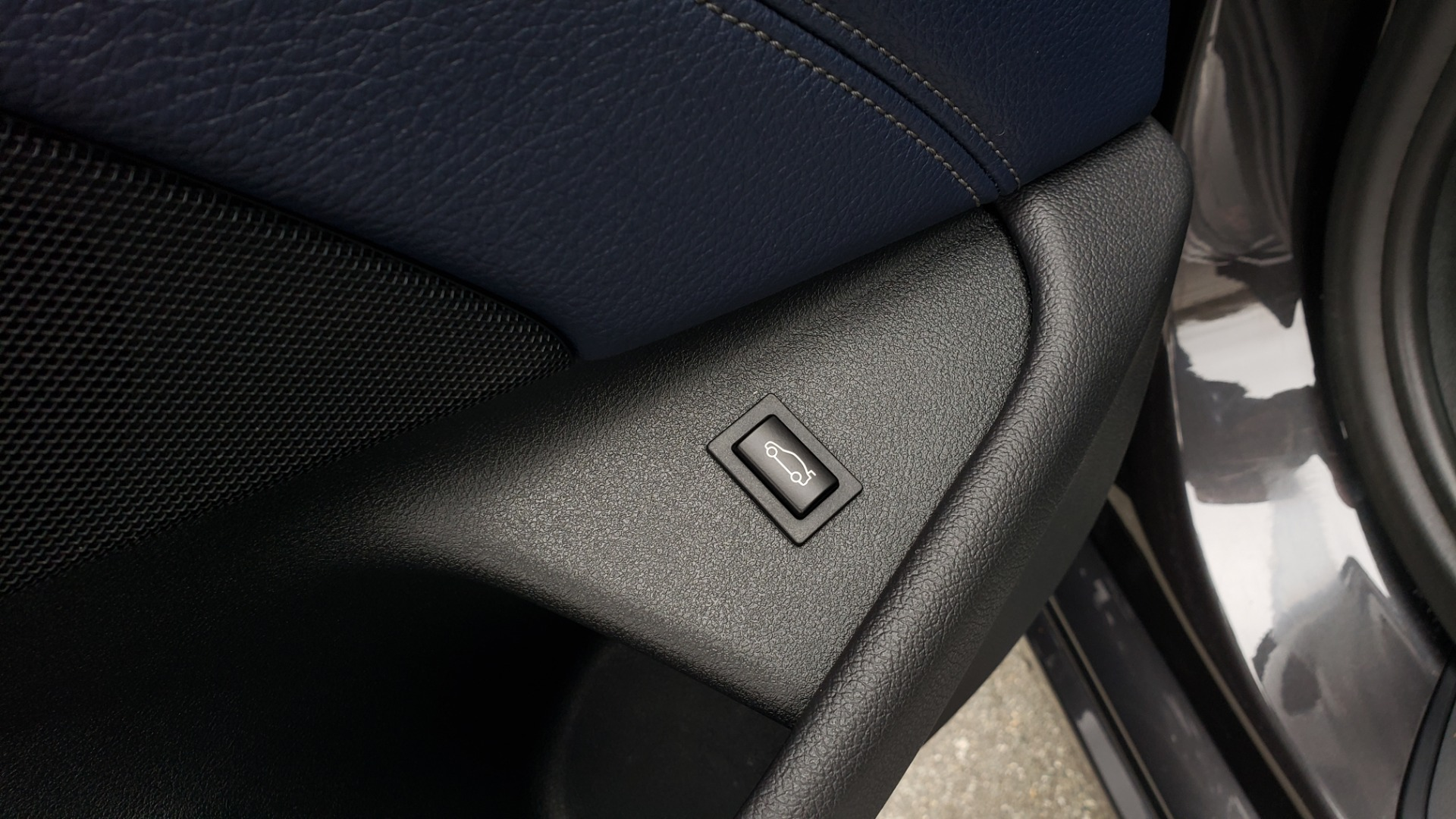 Used 2017 BMW 5 SERIES 530IXDRIVE / PREM PKG / DRVR ASST PLUS / CLD WTHR / APPLE CARPLAY for sale Sold at Formula Imports in Charlotte NC 28227 31
