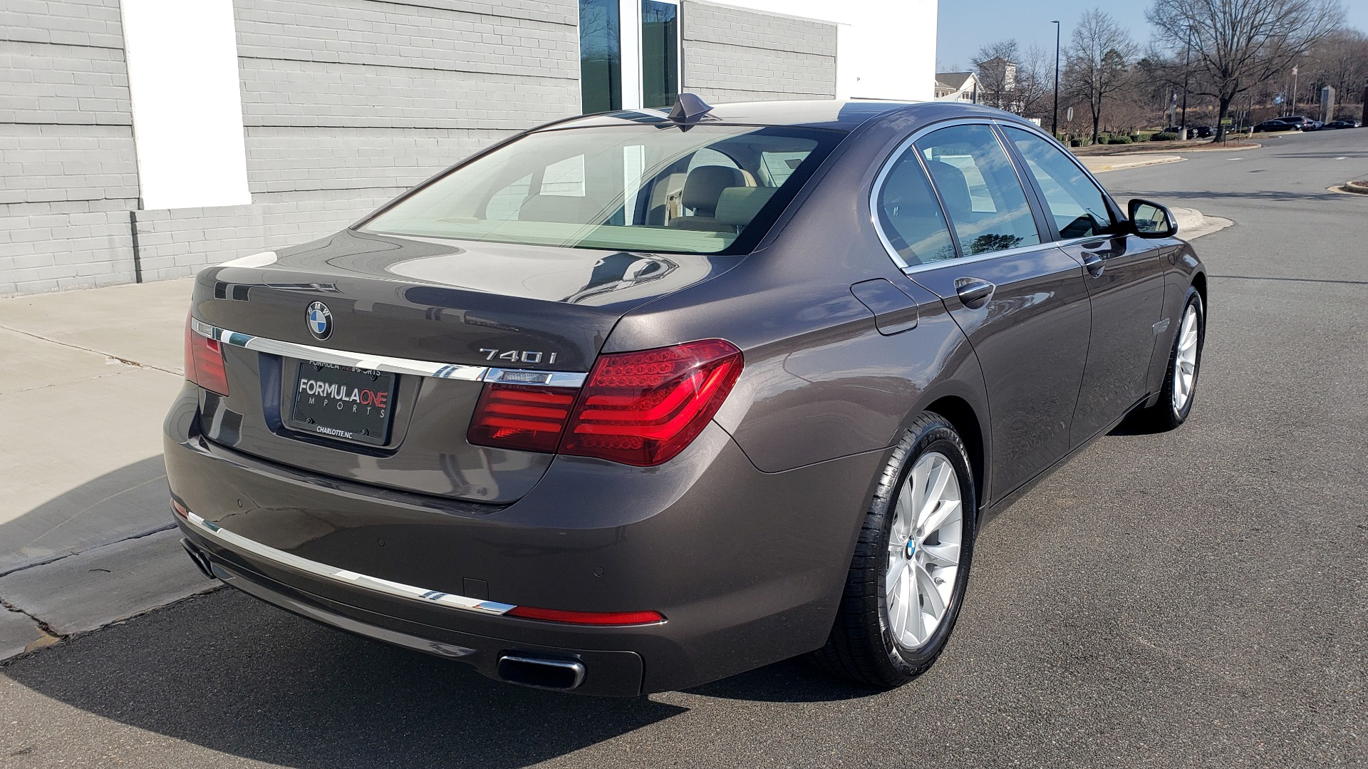 Used 2015 BMW 7 SERIES 740I SEDAN / EXECUTIVE PKG / DRVR ASST PLUS / HEADS-UP for sale Sold at Formula Imports in Charlotte NC 28227 8
