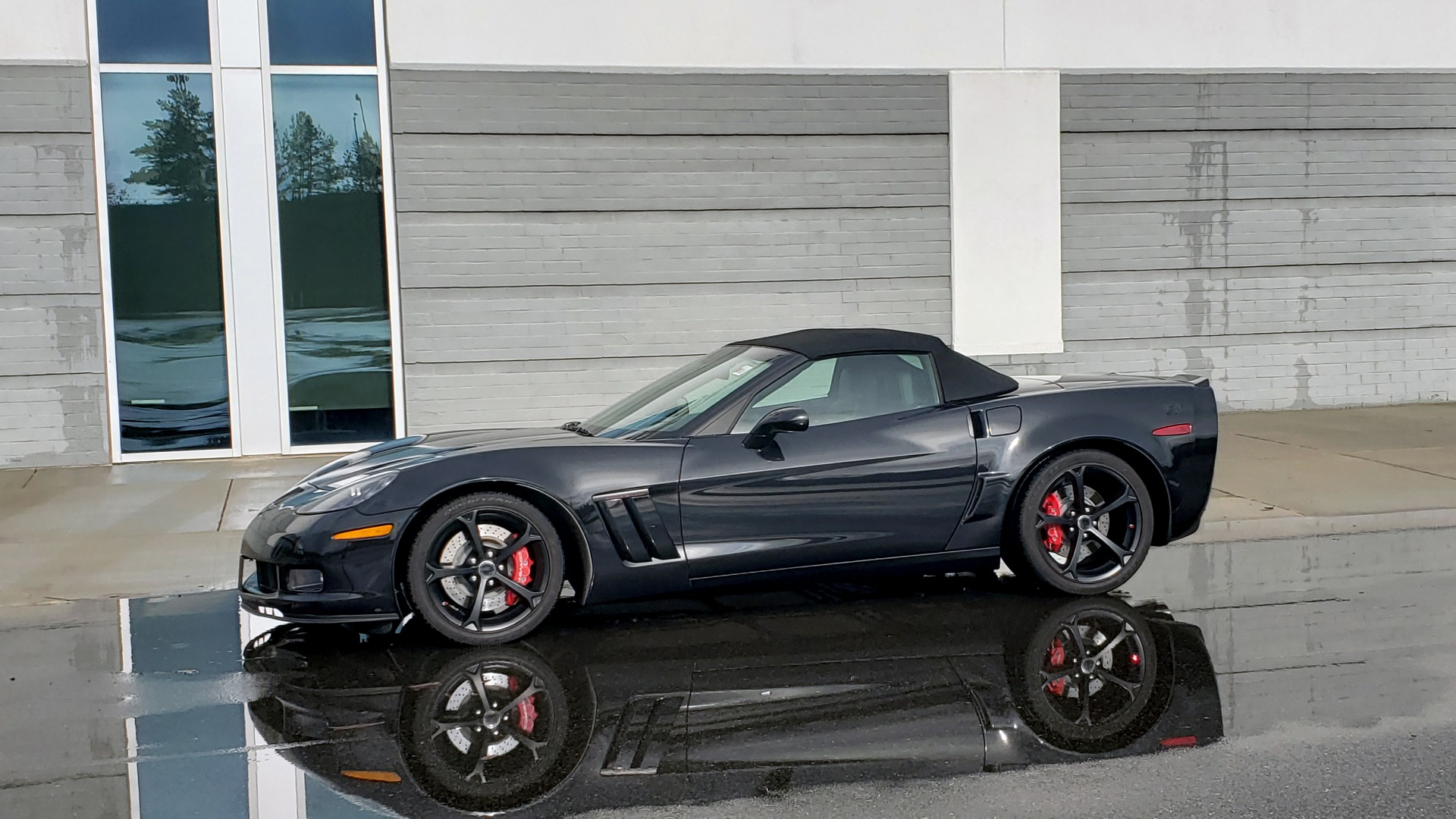 Used 2012 Chevrolet CORVETTE Z16 GRAND SPORT 3LT CONVERTIBLE / 6-SPD AUTO / NAV for sale Sold at Formula Imports in Charlotte NC 28227 2