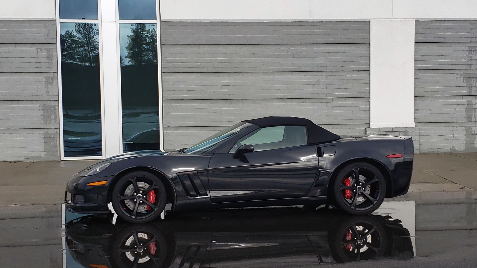 Used 2012 Chevrolet CORVETTE Z16 GRAND SPORT 3LT CONVERTIBLE / 6-SPD AUTO / NAV for sale Sold at Formula Imports in Charlotte NC 28227 3