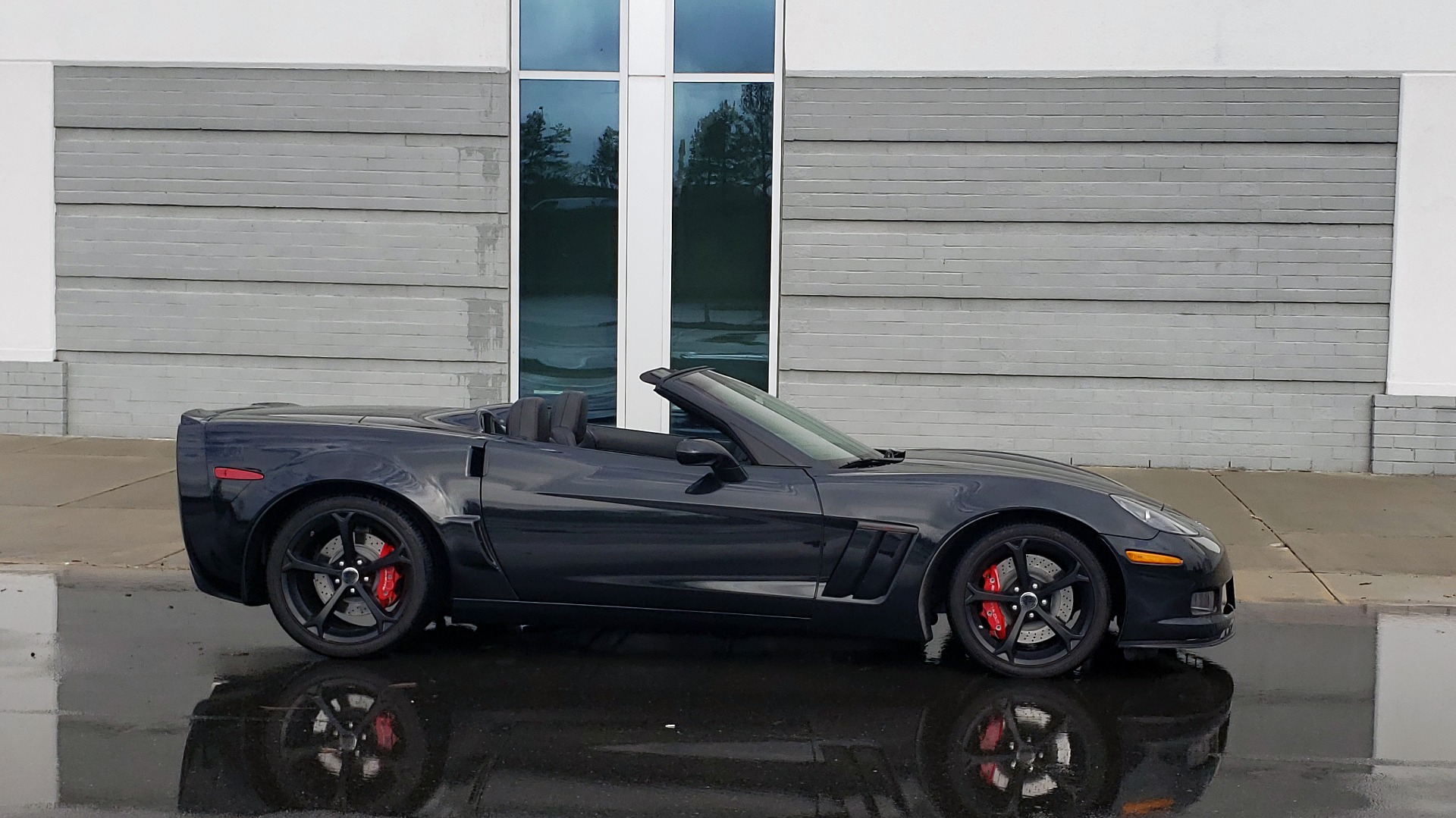 Used 2012 Chevrolet CORVETTE Z16 GRAND SPORT 3LT CONVERTIBLE / 6-SPD AUTO / NAV for sale Sold at Formula Imports in Charlotte NC 28227 9