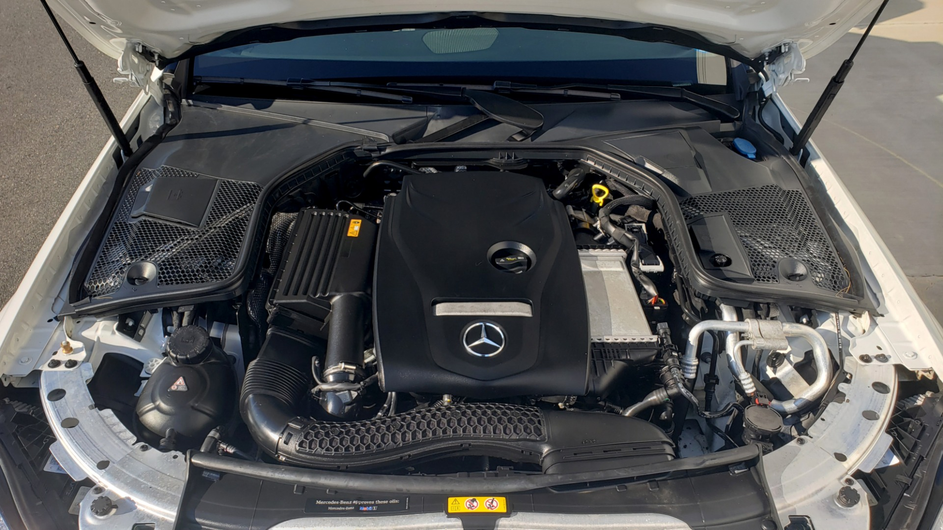 Used 2018 Mercedes-Benz C-Class C 300 PREMIUM / NAV / PANO-ROOF / AMG LINE / MULTIMEDIA for sale $28,235 at Formula Imports in Charlotte NC 28227 13