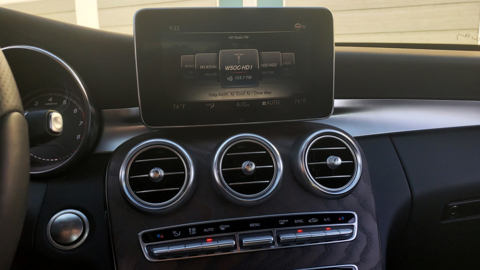 Used 2018 Mercedes-Benz C-Class C 300 PREMIUM / NAV / PANO-ROOF / AMG LINE / MULTIMEDIA for sale $28,235 at Formula Imports in Charlotte NC 28227 43