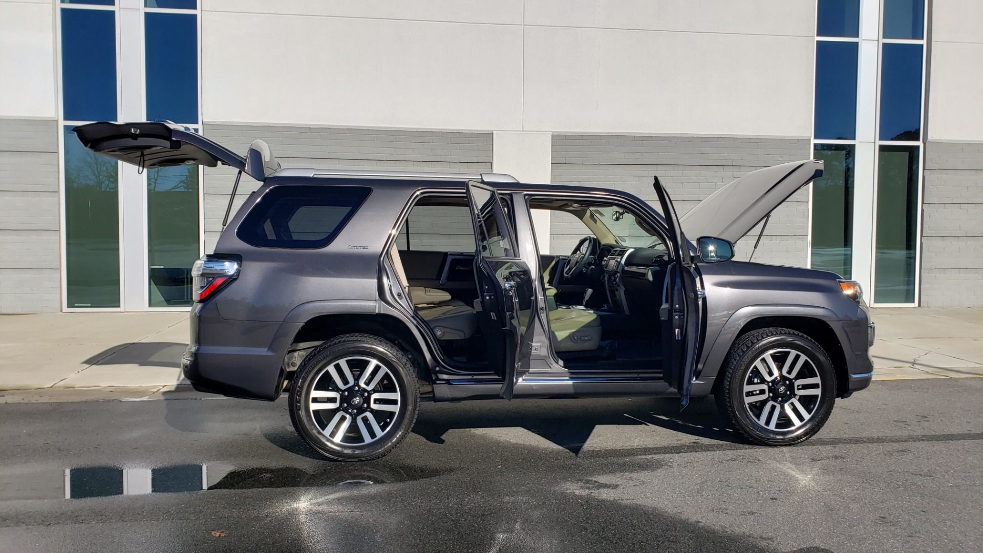 Used 2018 Toyota 4RUNNER LIMITED 4X4 / 4.0 V6 / AUTO / NAV / SUNROOF / REARVIEW for sale Sold at Formula Imports in Charlotte NC 28227 11