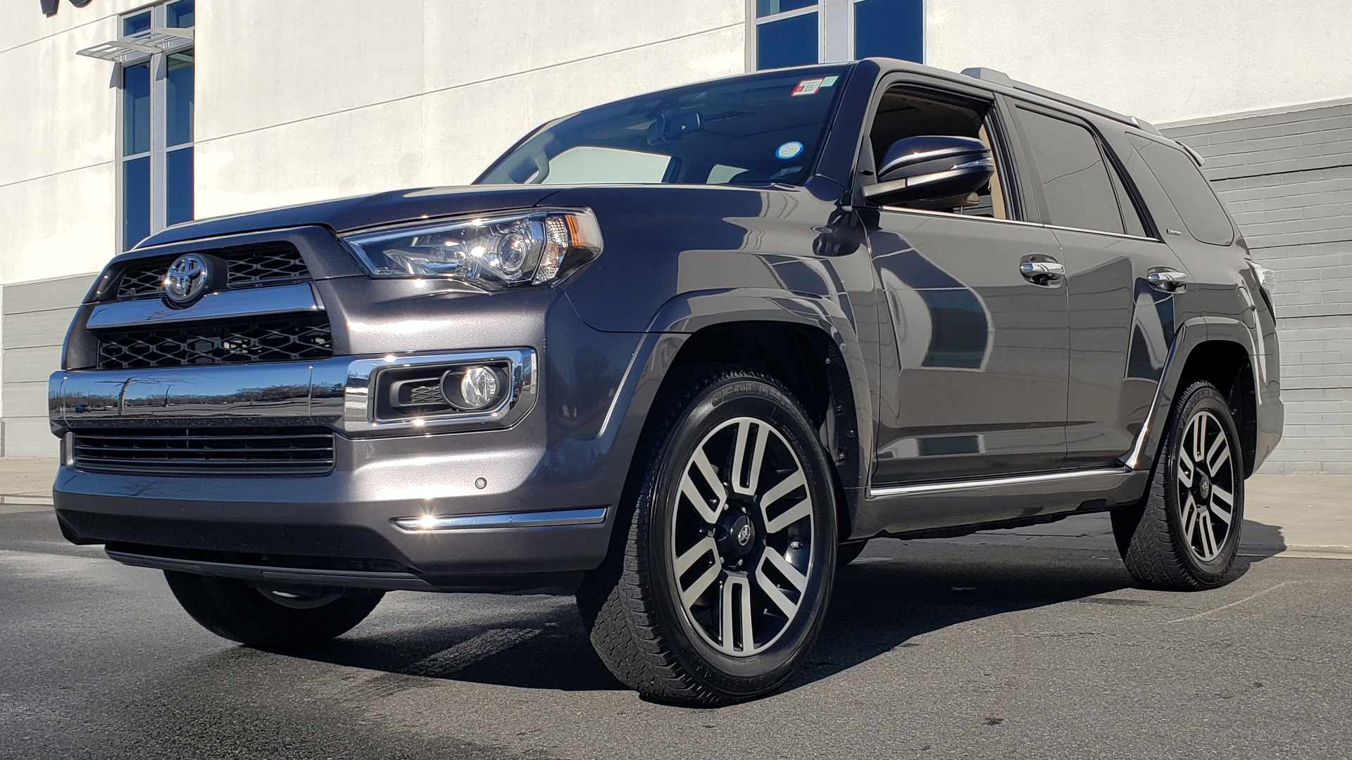 Used 2018 Toyota 4RUNNER LIMITED 4X4 / 4.0 V6 / AUTO / NAV / SUNROOF / REARVIEW for sale Sold at Formula Imports in Charlotte NC 28227 2