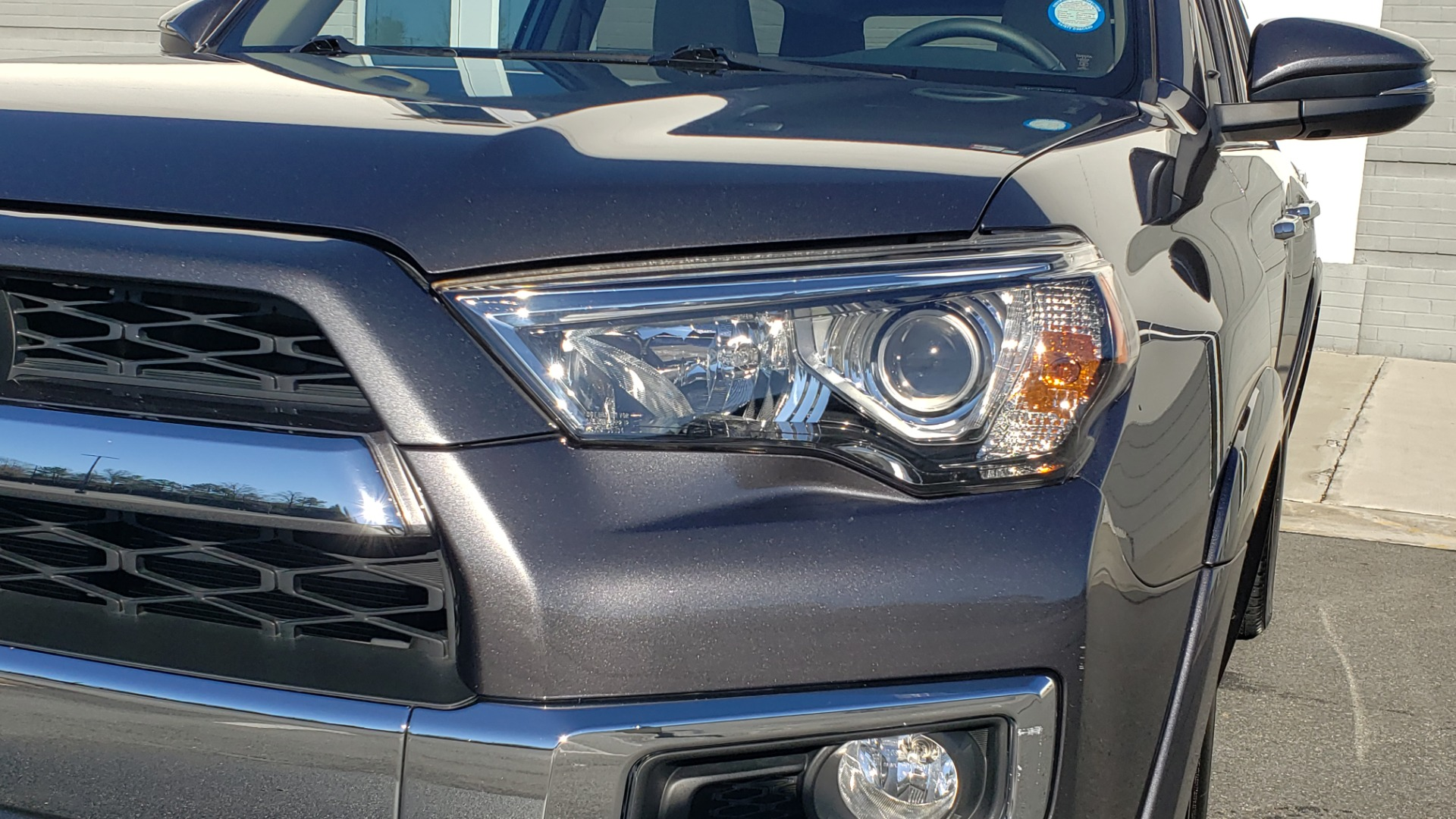 Used 2018 Toyota 4RUNNER LIMITED 4X4 / 4.0 V6 / AUTO / NAV / SUNROOF / REARVIEW for sale Sold at Formula Imports in Charlotte NC 28227 27