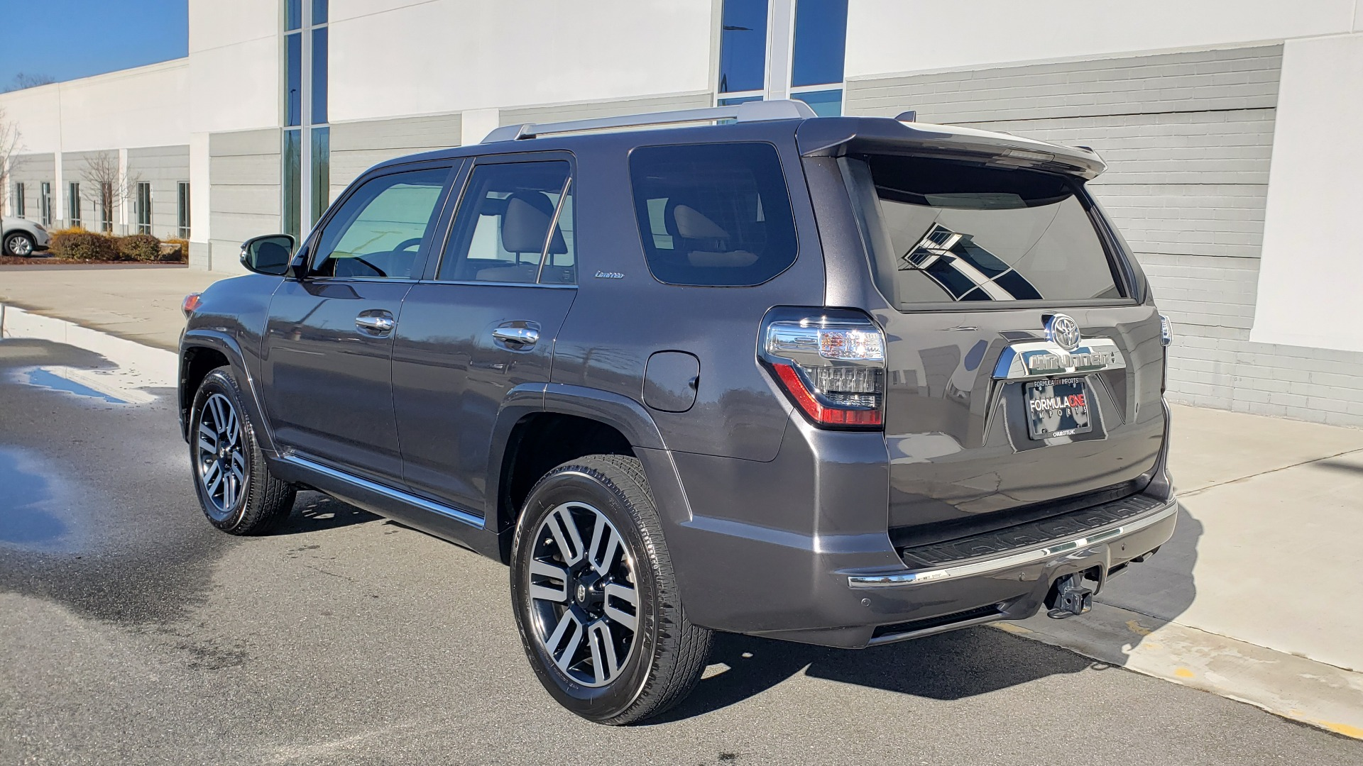 Used 2018 Toyota 4RUNNER LIMITED 4X4 / 4.0 V6 / AUTO / NAV / SUNROOF / REARVIEW for sale Sold at Formula Imports in Charlotte NC 28227 4