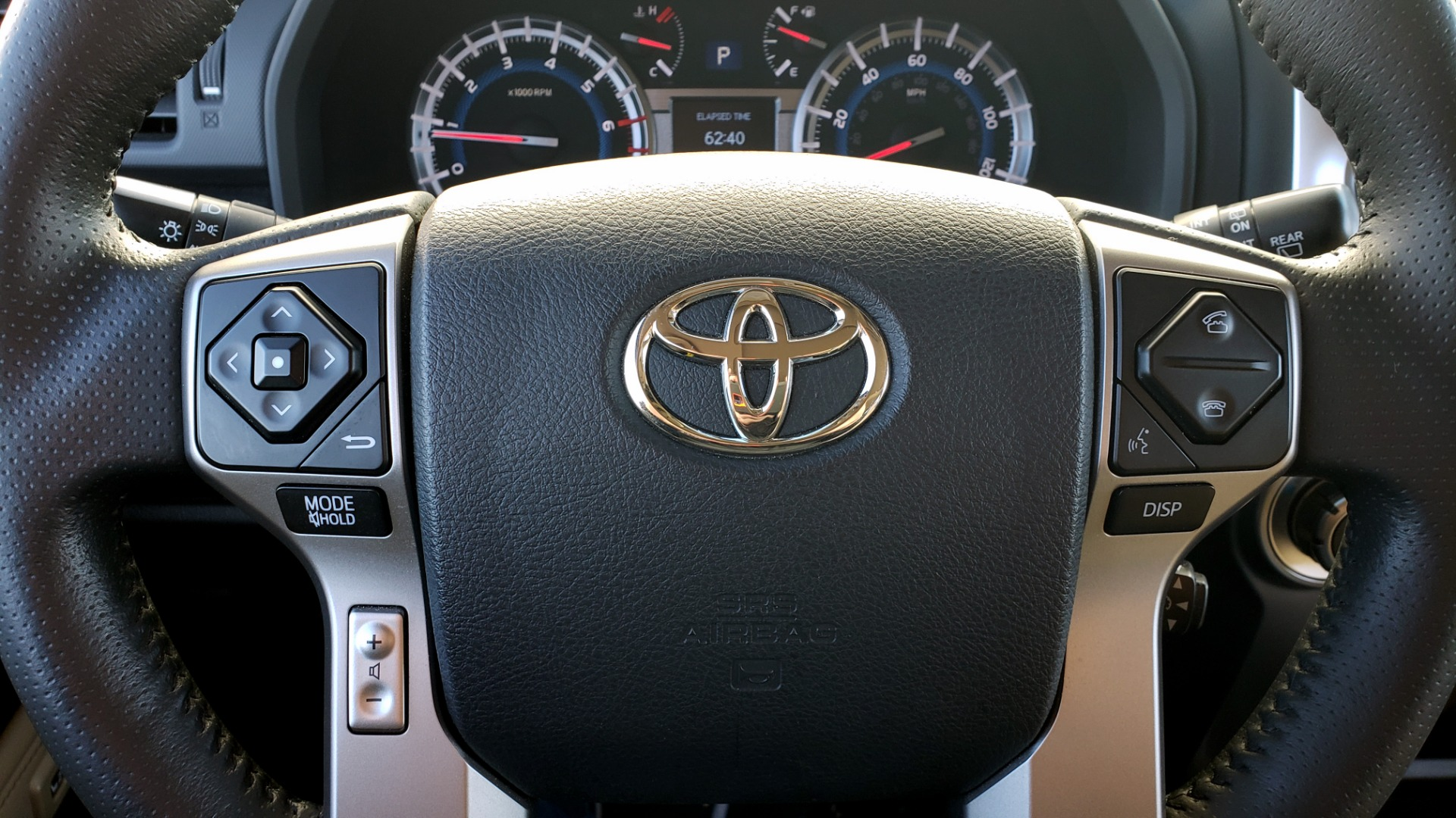 Used 2018 Toyota 4RUNNER LIMITED 4X4 / 4.0 V6 / AUTO / NAV / SUNROOF / REARVIEW for sale Sold at Formula Imports in Charlotte NC 28227 43