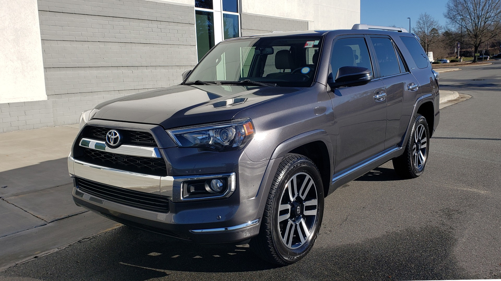 Used 2018 Toyota 4RUNNER LIMITED 4X4 / 4.0 V6 / AUTO / NAV / SUNROOF / REARVIEW for sale Sold at Formula Imports in Charlotte NC 28227 1
