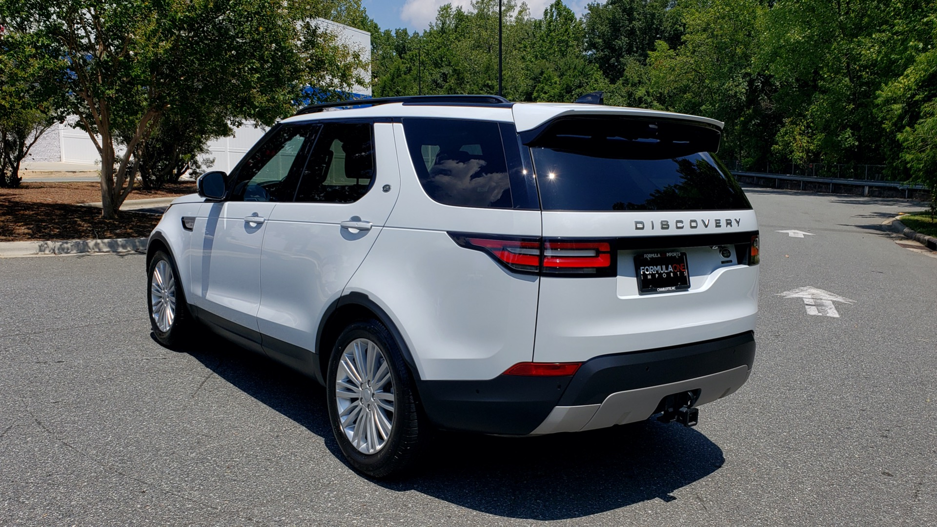 Used 2017 Land Rover DISCOVERY HSE LUXURY / SC V6 / NAV / DRIVE PRO / VISION ASSIST for sale Sold at Formula Imports in Charlotte NC 28227 3