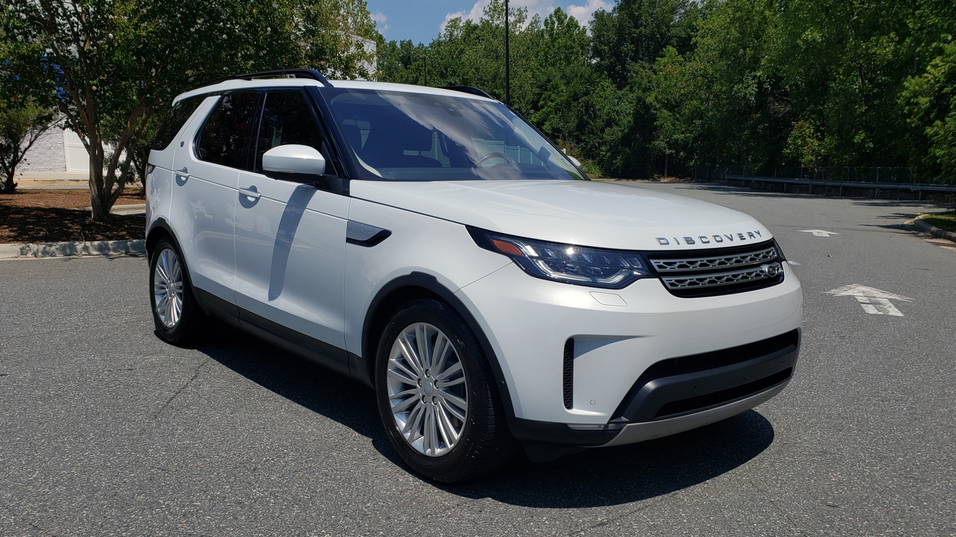 Used 2017 Land Rover DISCOVERY HSE LUXURY / SC V6 / NAV / DRIVE PRO / VISION ASSIST for sale Sold at Formula Imports in Charlotte NC 28227 4