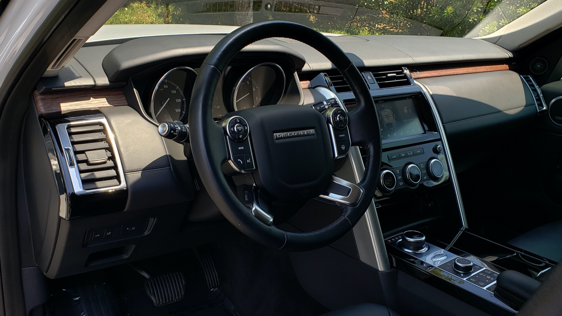 Used 2017 Land Rover DISCOVERY HSE LUXURY / SC V6 / NAV / DRIVE PRO / VISION ASSIST for sale Sold at Formula Imports in Charlotte NC 28227 45