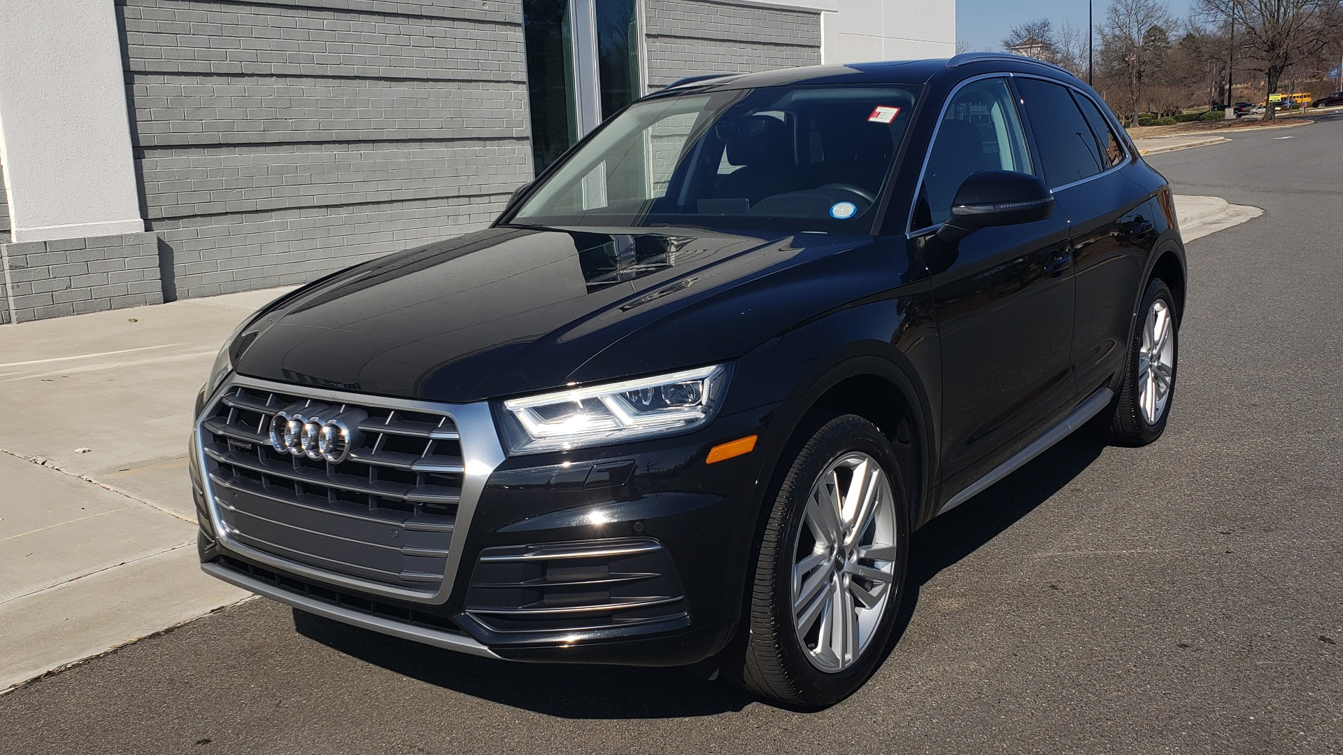 Used 2018 Audi Q5 PREMIUM PLUS / NAV / PANO-ROOF / CLD WTHR / REARVIEW for sale $30,435 at Formula Imports in Charlotte NC 28227 3