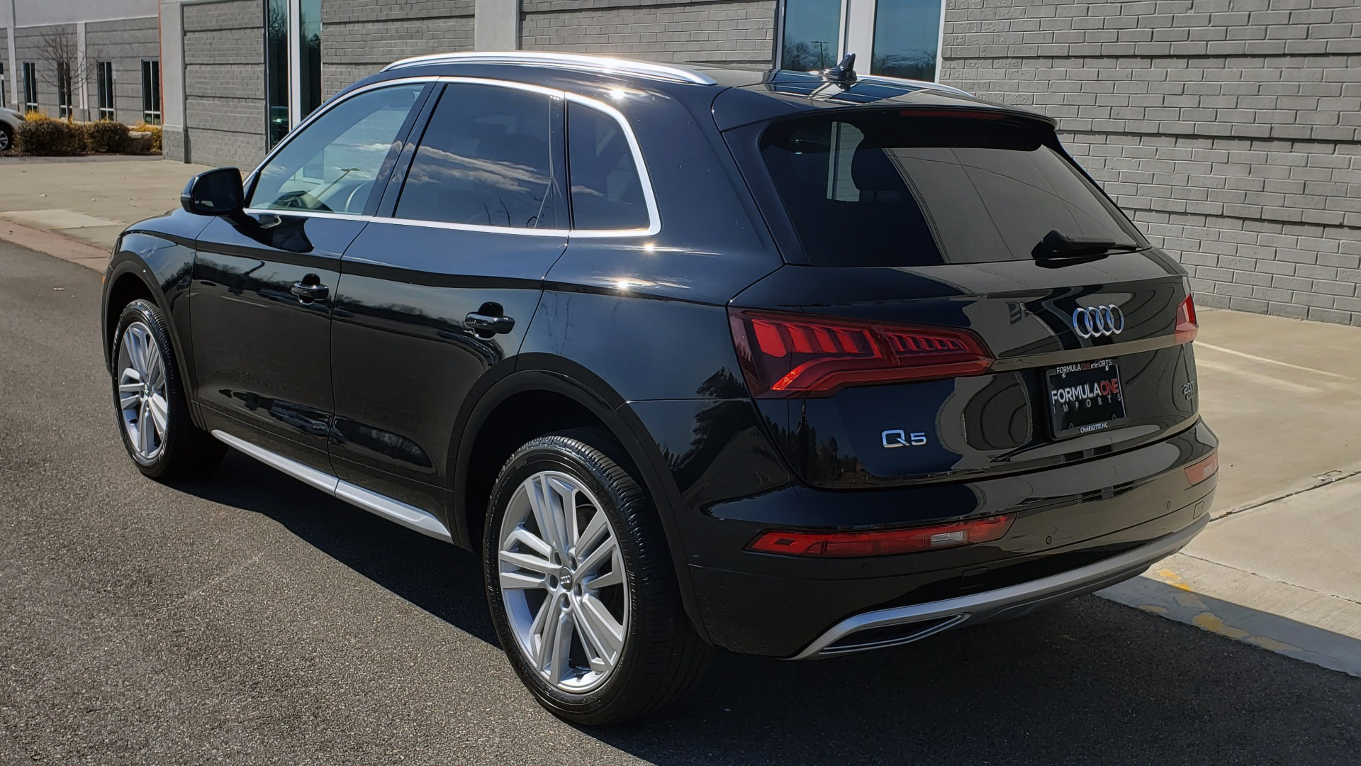 Used 2018 Audi Q5 PREMIUM PLUS / NAV / PANO-ROOF / CLD WTHR / REARVIEW for sale $30,435 at Formula Imports in Charlotte NC 28227 5