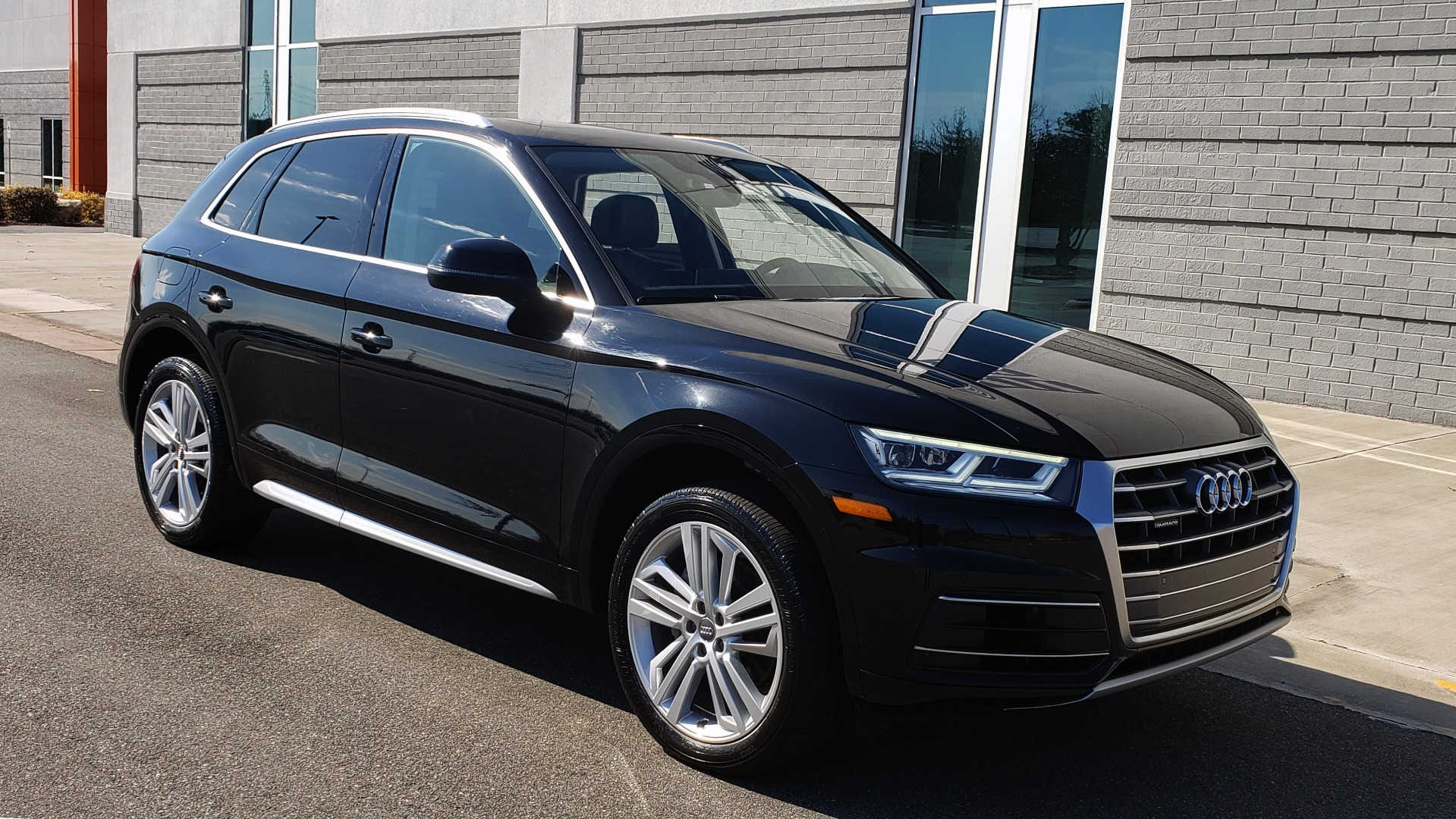 Used 2018 Audi Q5 PREMIUM PLUS / NAV / PANO-ROOF / CLD WTHR / REARVIEW for sale $30,435 at Formula Imports in Charlotte NC 28227 6
