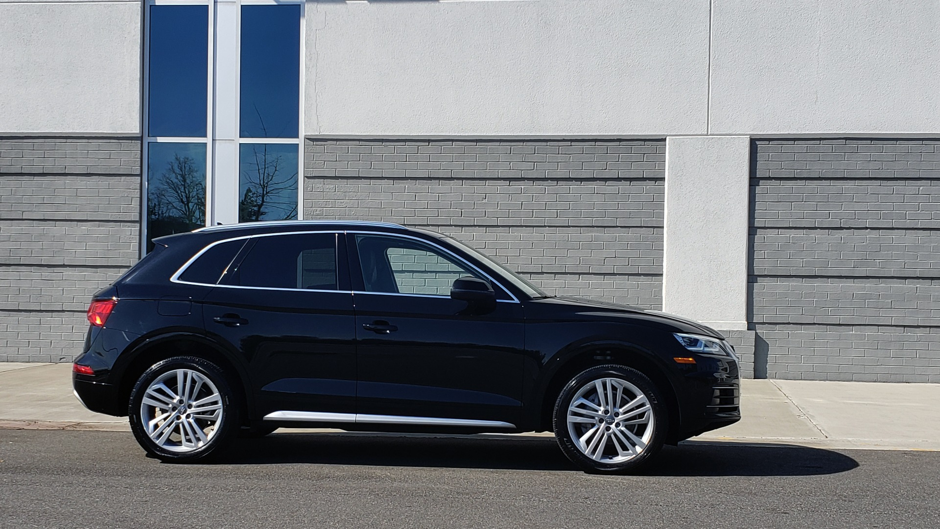 Used 2018 Audi Q5 PREMIUM PLUS / NAV / PANO-ROOF / CLD WTHR / REARVIEW for sale $30,435 at Formula Imports in Charlotte NC 28227 7