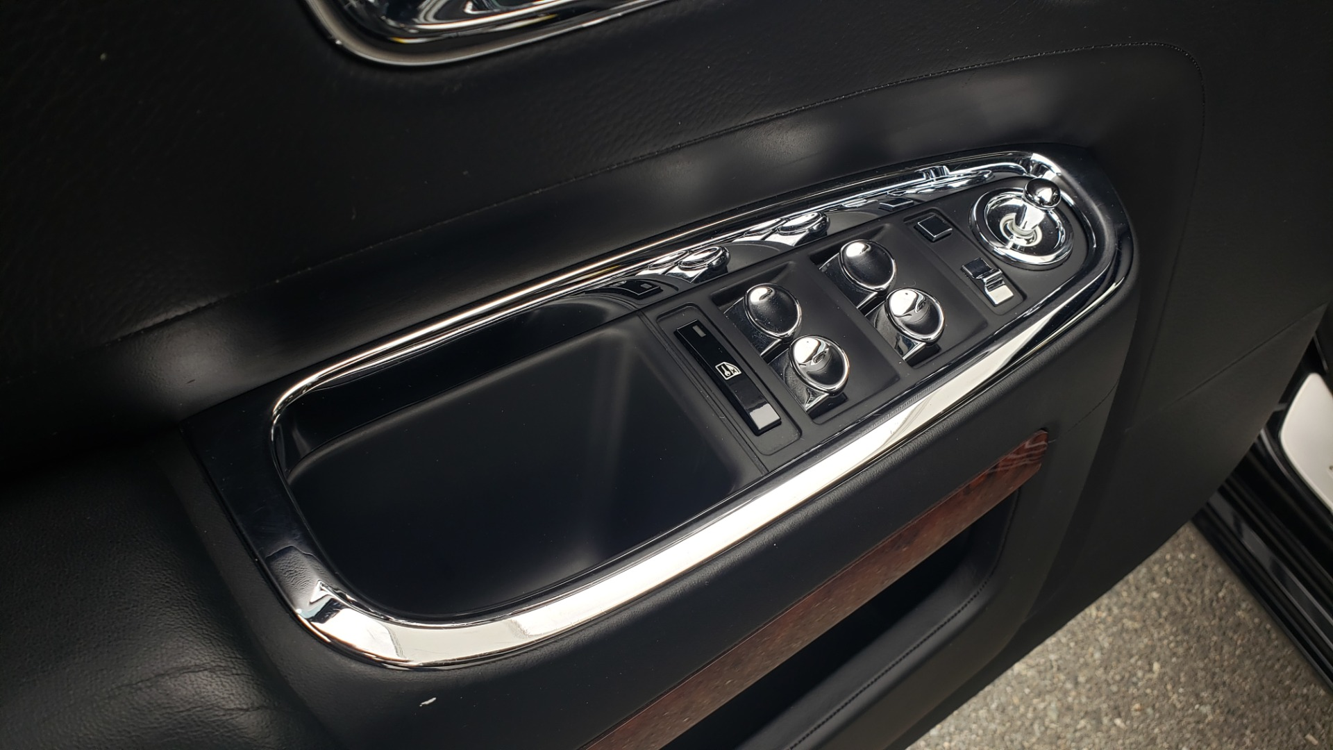 Used 2010 Rolls-Royce GHOST 6.6L TURBO V12 (563HP) / NAV / SUNROOF / SUICIDE DOORS for sale $89,000 at Formula Imports in Charlotte NC 28227 15
