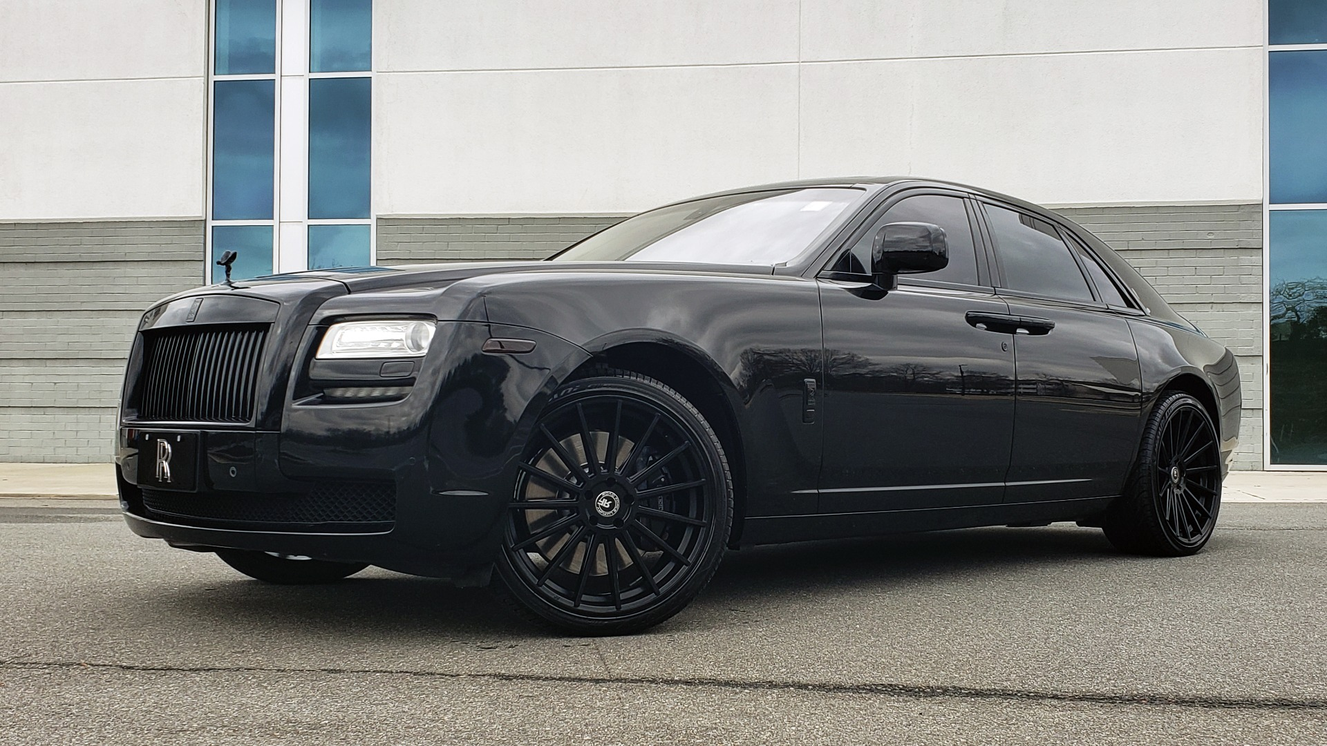 Used 2010 Rolls-Royce GHOST 6.6L TURBO V12 (563HP) / NAV / SUNROOF / SUICIDE DOORS for sale $89,000 at Formula Imports in Charlotte NC 28227 2