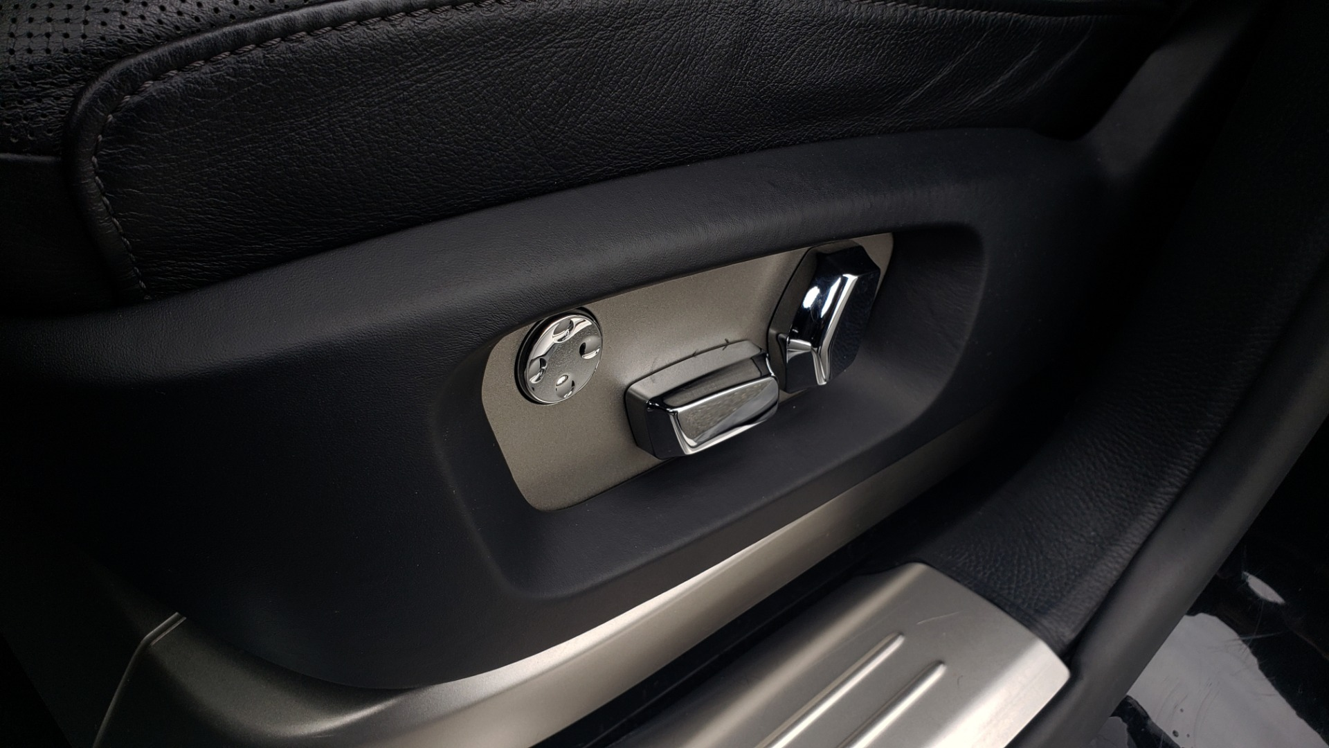 Used 2010 Rolls-Royce GHOST 6.6L TURBO V12 (563HP) / NAV / SUNROOF / SUICIDE DOORS for sale $89,000 at Formula Imports in Charlotte NC 28227 24