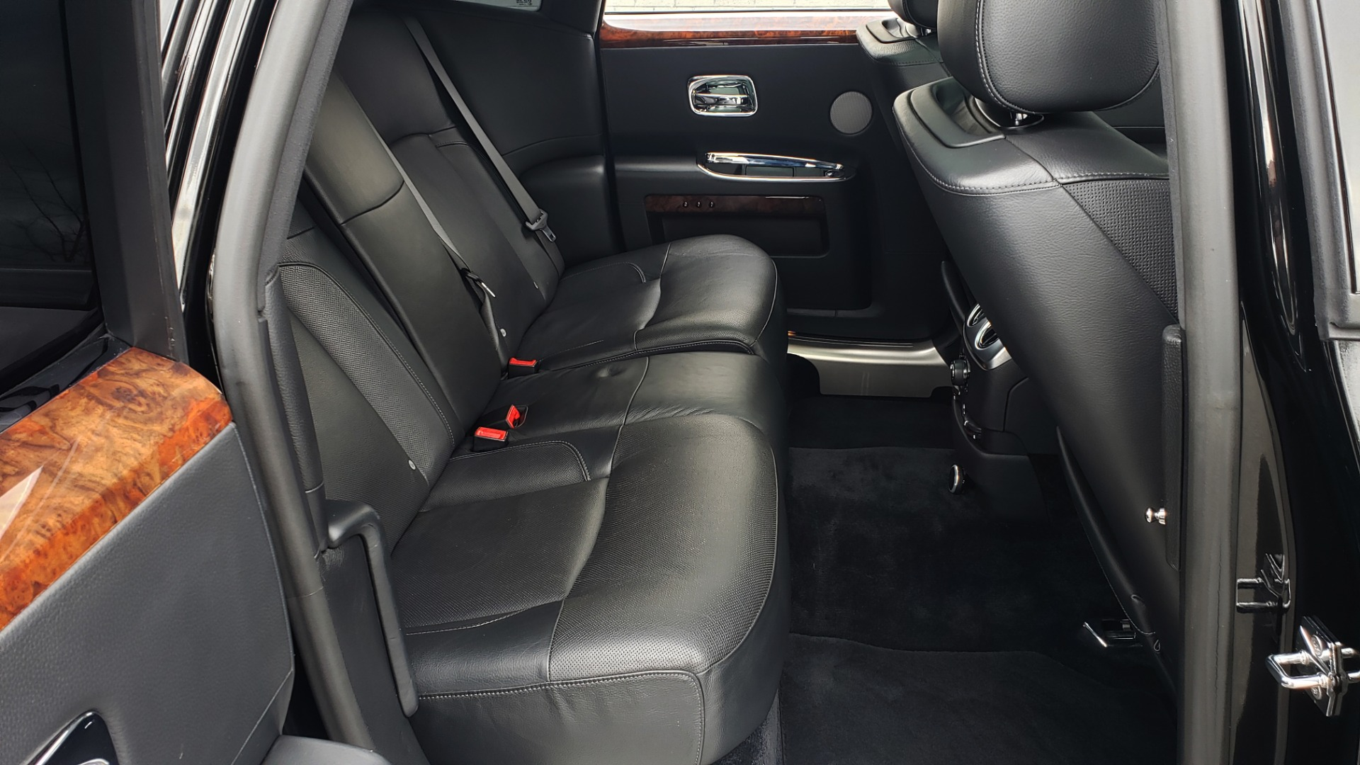 Used 2010 Rolls-Royce GHOST 6.6L TURBO V12 (563HP) / NAV / SUNROOF / SUICIDE DOORS for sale $89,000 at Formula Imports in Charlotte NC 28227 34