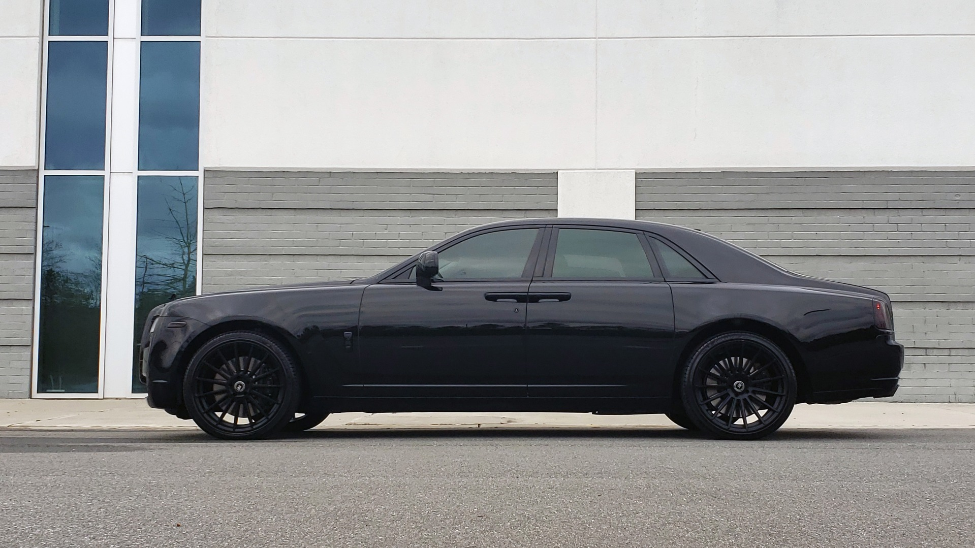 Used 2010 Rolls-Royce GHOST 6.6L TURBO V12 (563HP) / NAV / SUNROOF / SUICIDE DOORS for sale $89,000 at Formula Imports in Charlotte NC 28227 5