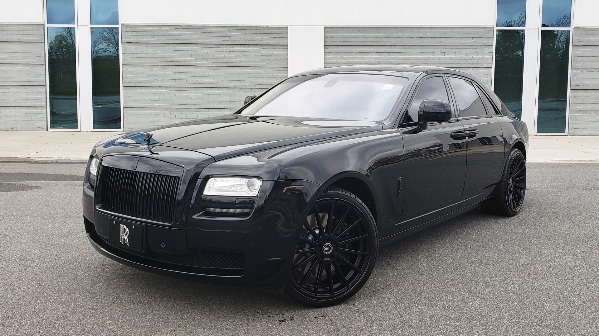 Used 2010 Rolls-Royce GHOST 6.6L TURBO V12 (563HP) / NAV / SUNROOF / SUICIDE DOORS for sale $89,000 at Formula Imports in Charlotte NC 28227 1