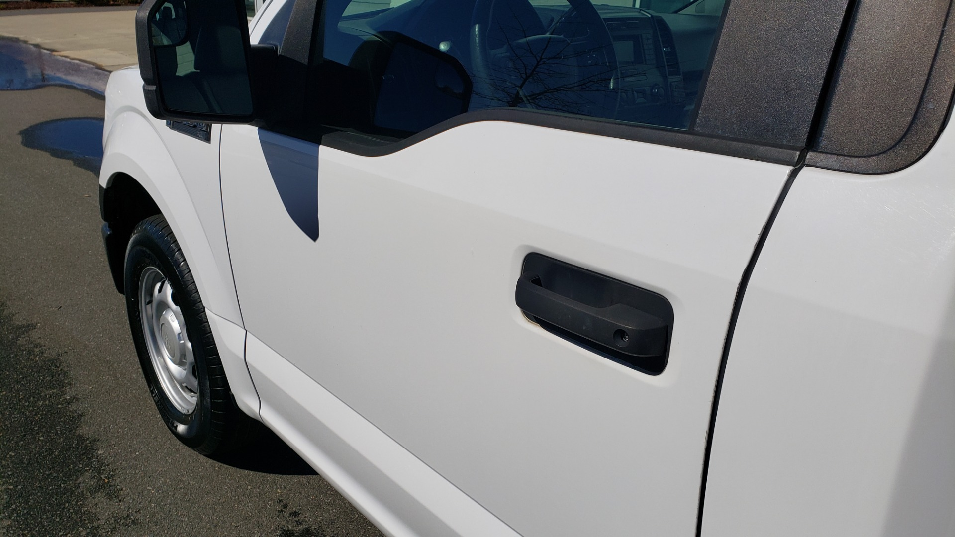 Used 2016 Ford F-150 XL / 2WD / V6 / AUTO / LONG BED / 141IN WB / WORK TRUCK for sale Sold at Formula Imports in Charlotte NC 28227 10