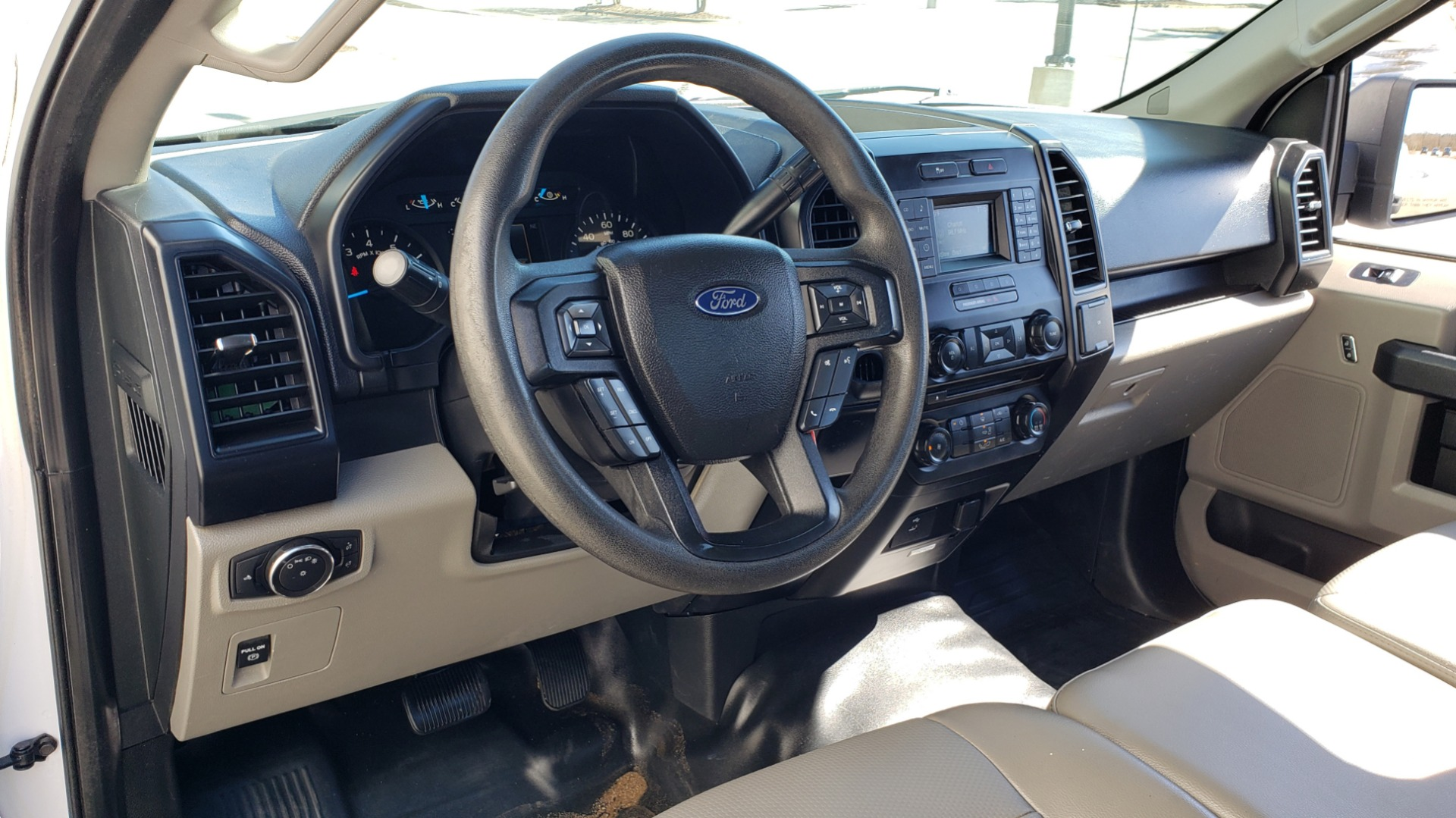 Used 2016 Ford F-150 XL / 2WD / V6 / AUTO / LONG BED / 141IN WB / WORK TRUCK for sale Sold at Formula Imports in Charlotte NC 28227 18