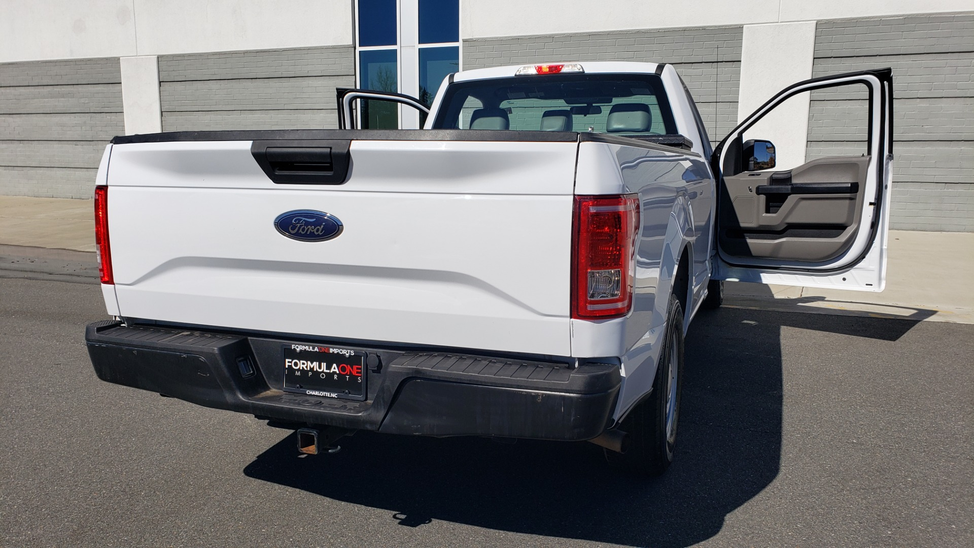 Used 2016 Ford F-150 XL / 2WD / V6 / AUTO / LONG BED / 141IN WB / WORK TRUCK for sale Sold at Formula Imports in Charlotte NC 28227 30