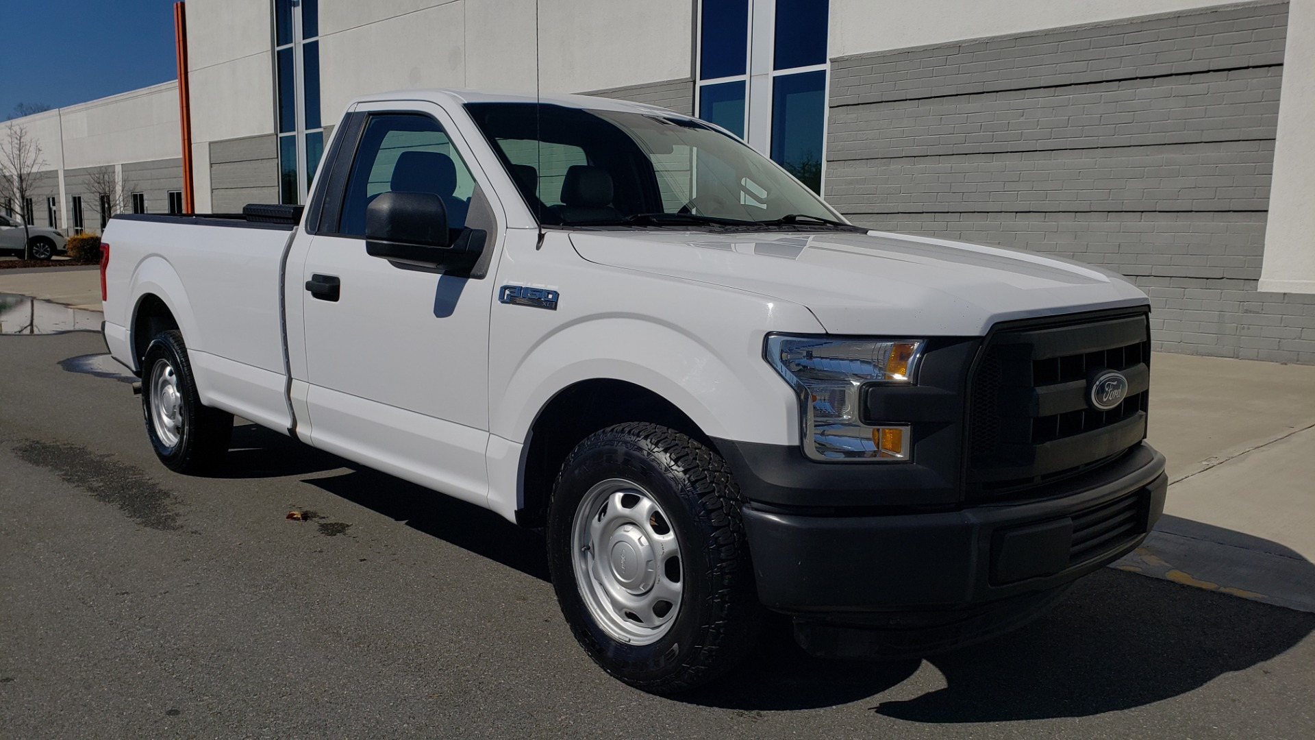 Used 2016 Ford F-150 XL / 2WD / V6 / AUTO / LONG BED / 141IN WB / WORK TRUCK for sale Sold at Formula Imports in Charlotte NC 28227 4