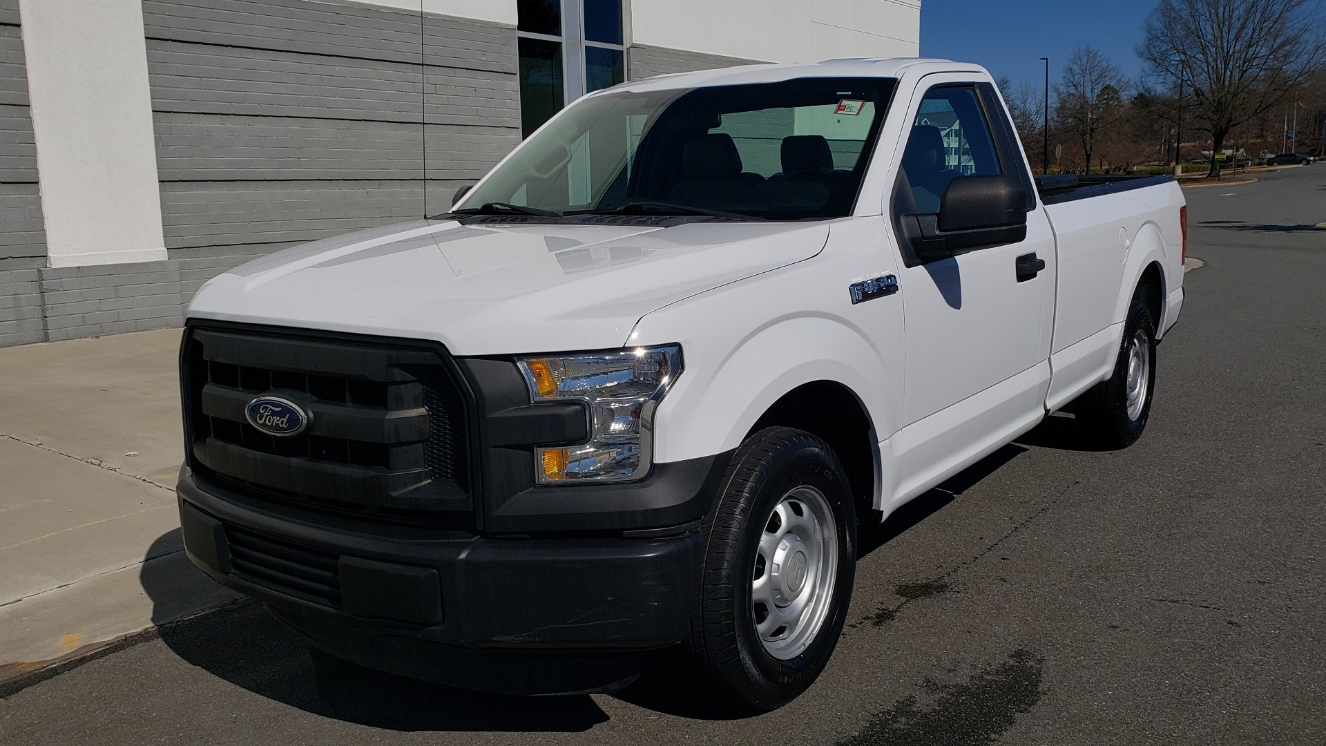 Used 2016 Ford F-150 XL / 2WD / V6 / AUTO / LONG BED / 141IN WB / WORK TRUCK for sale Sold at Formula Imports in Charlotte NC 28227 1