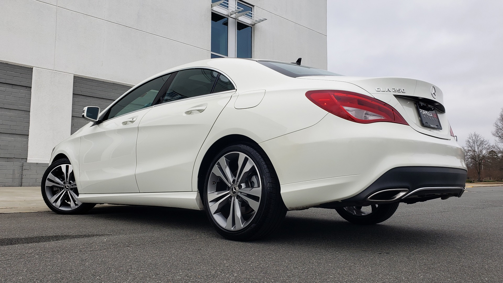 Used 2018 Mercedes-Benz CLA 250 PREMIUM / NAV / PANO-ROOF / APPLE CARPLAY / REARVIEW for sale $23,995 at Formula Imports in Charlotte NC 28227 2