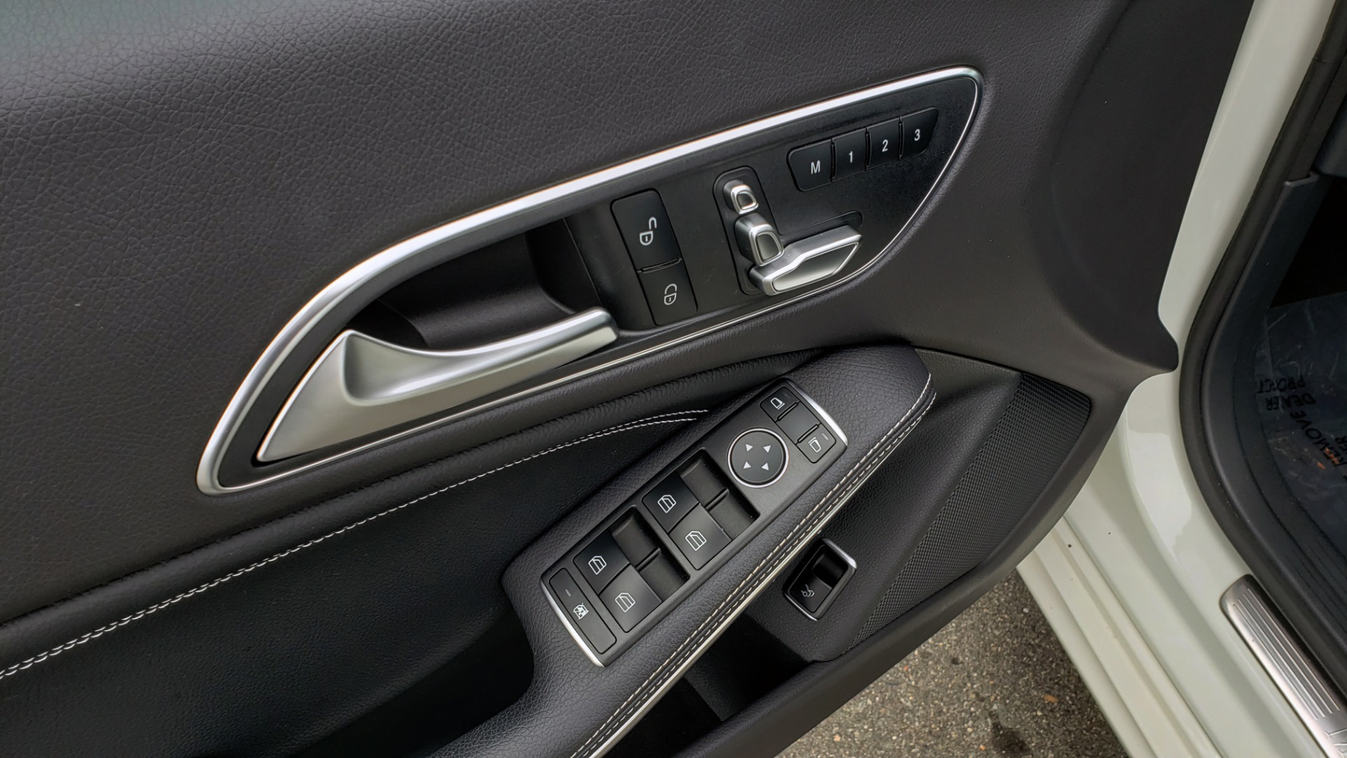 Used 2018 Mercedes-Benz CLA 250 PREMIUM / NAV / PANO-ROOF / APPLE CARPLAY / REARVIEW for sale $23,995 at Formula Imports in Charlotte NC 28227 30